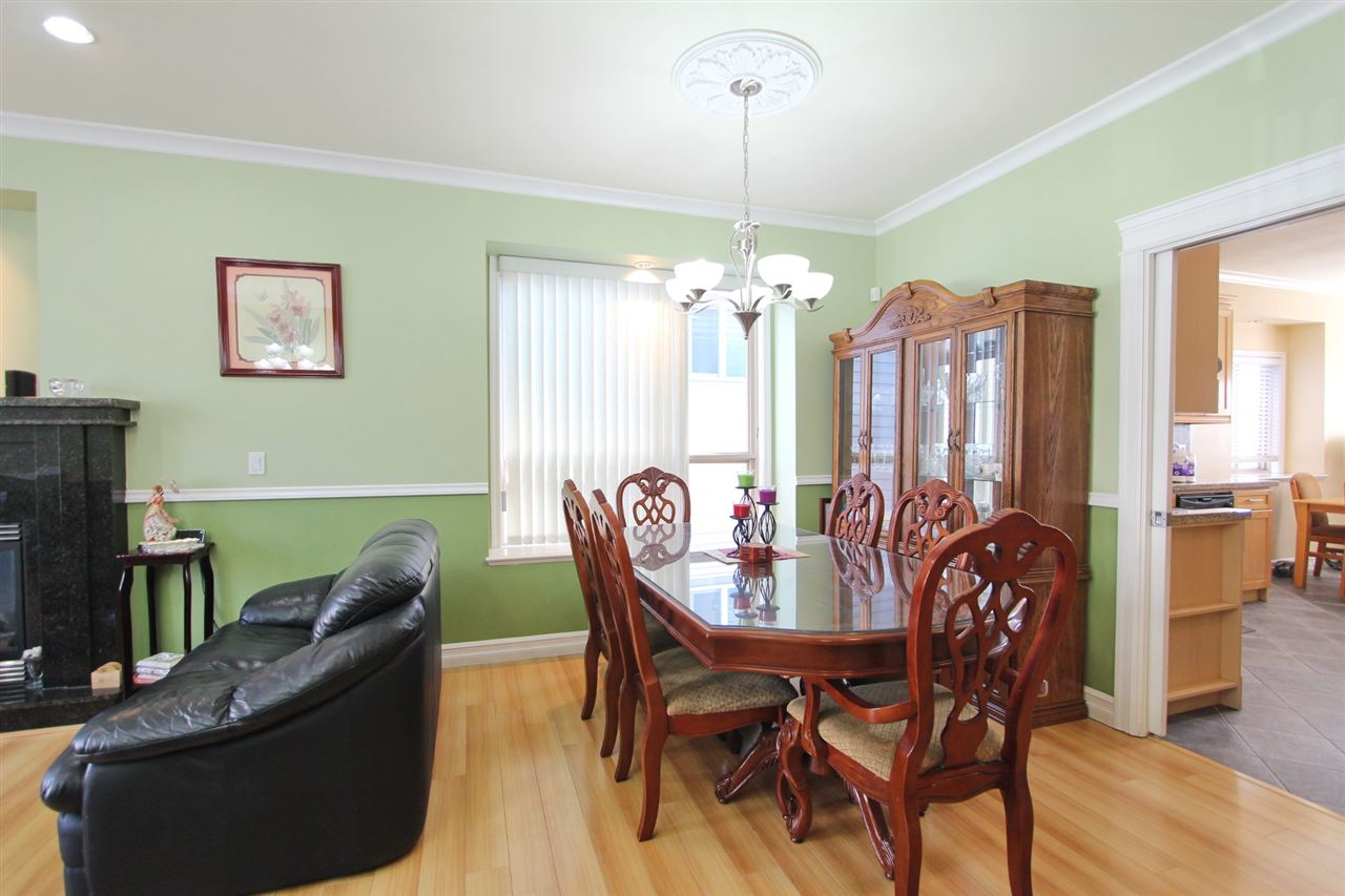 Detached at 5839 DUMFRIES STREET, Vancouver East, British Columbia. Image 5
