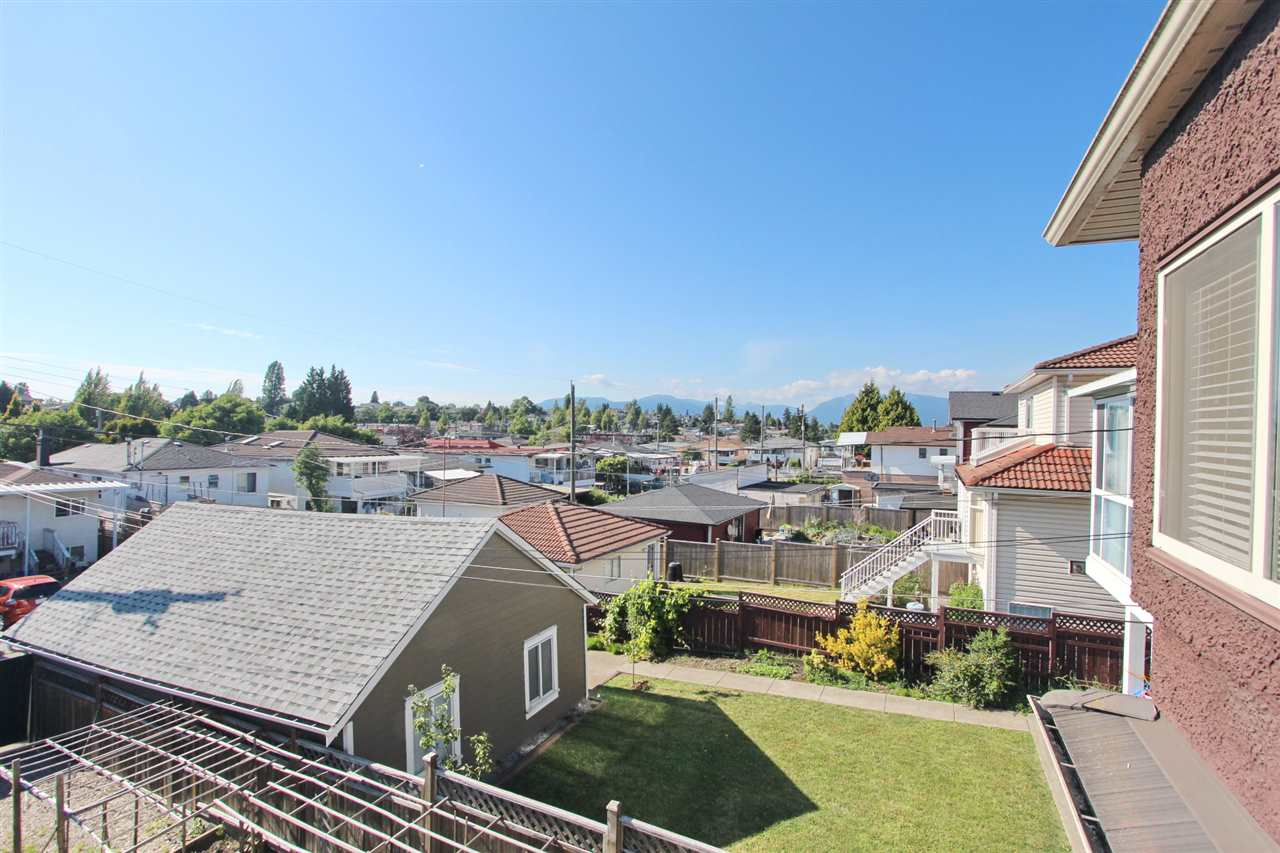 Detached at 5839 DUMFRIES STREET, Vancouver East, British Columbia. Image 13