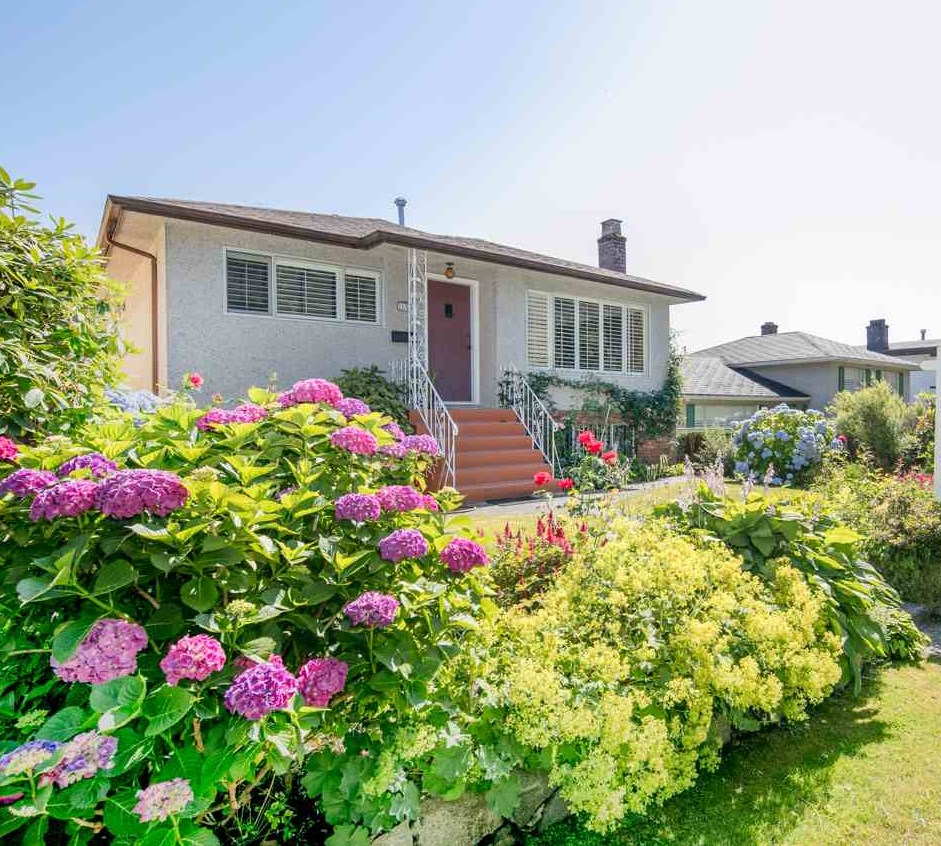 Detached at 2656 WAVERLEY AVENUE, Vancouver East, British Columbia. Image 1