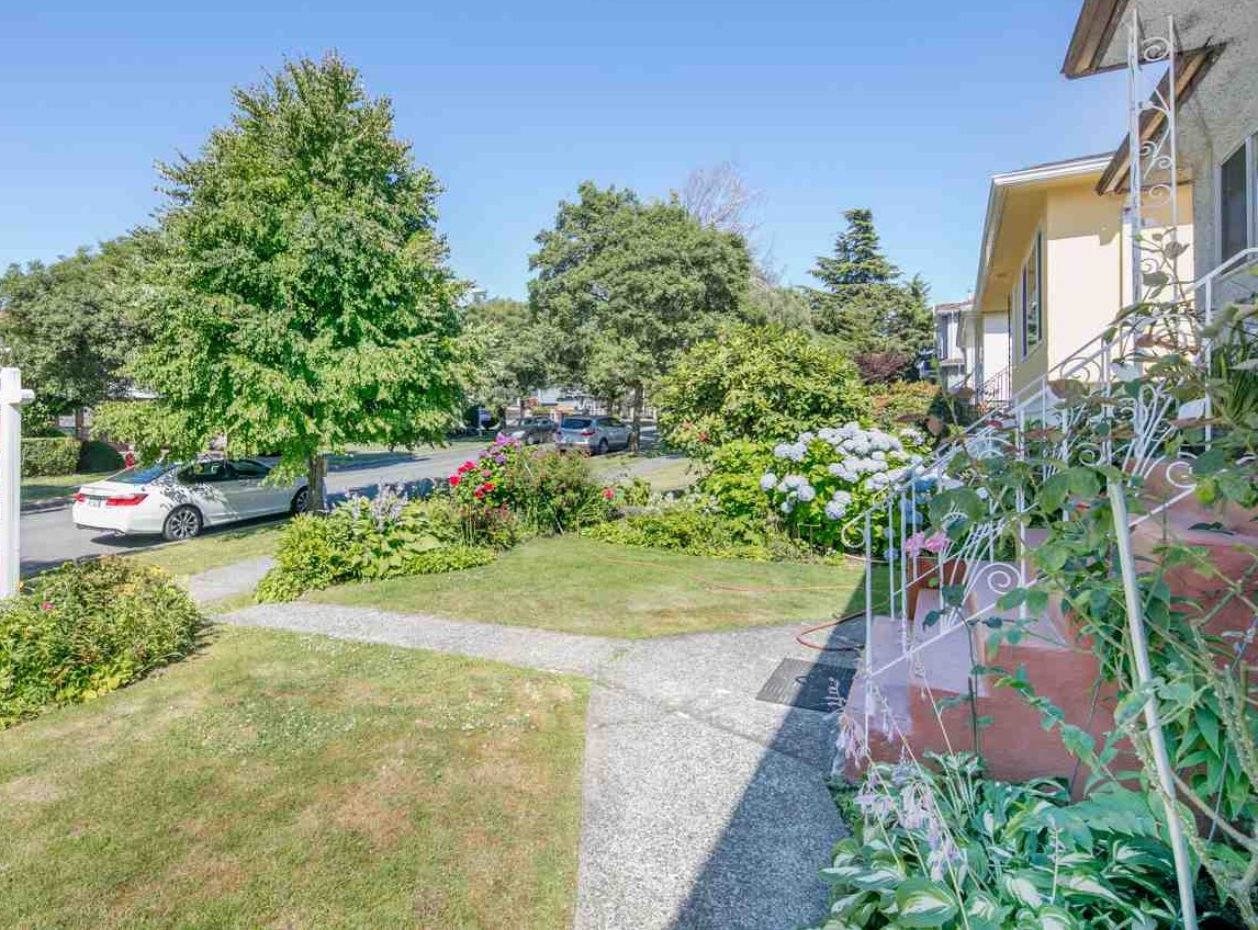 Detached at 2656 WAVERLEY AVENUE, Vancouver East, British Columbia. Image 18