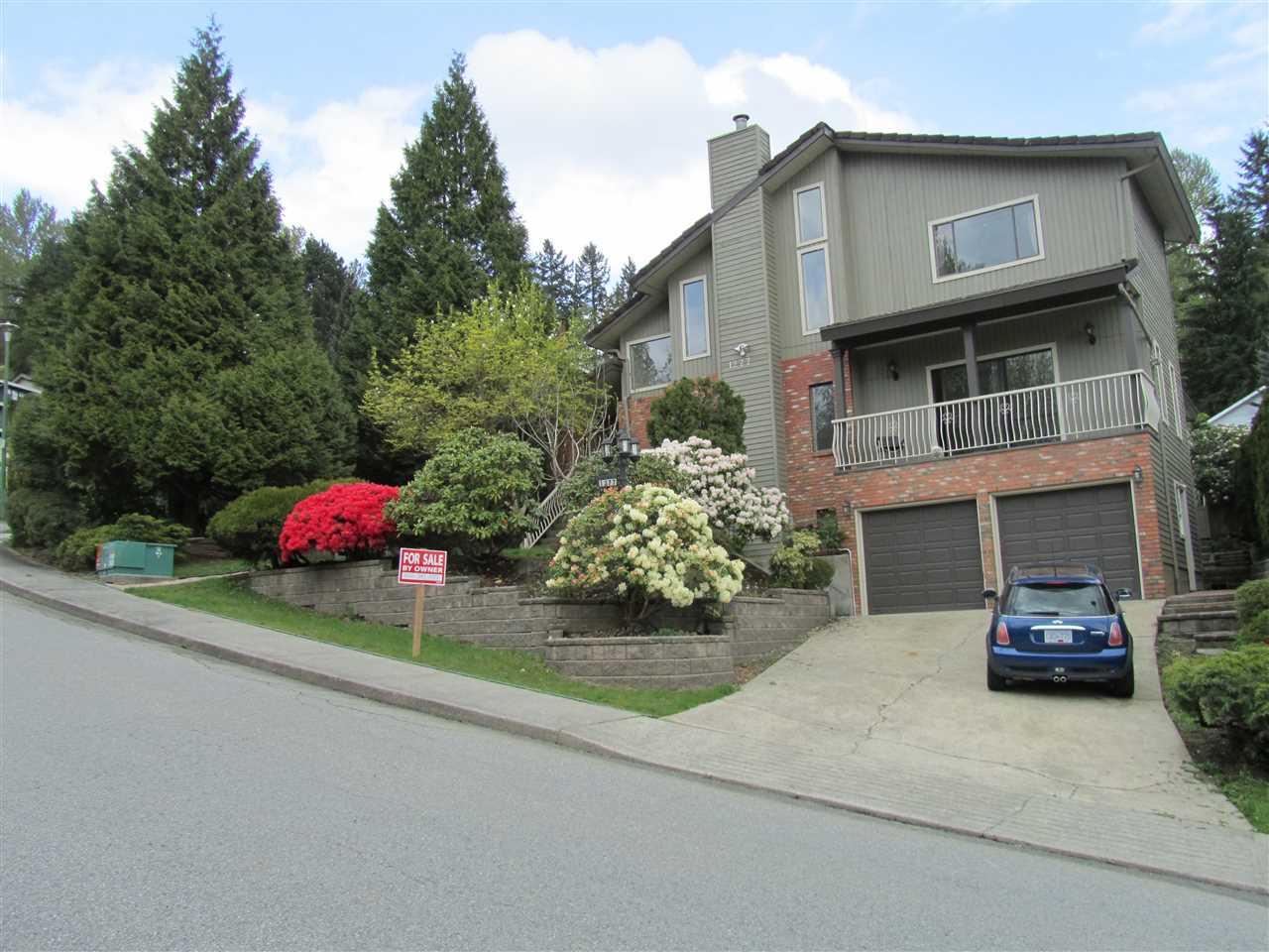 Detached at 1277 CHARTER HILL DRIVE, Coquitlam, British Columbia. Image 1