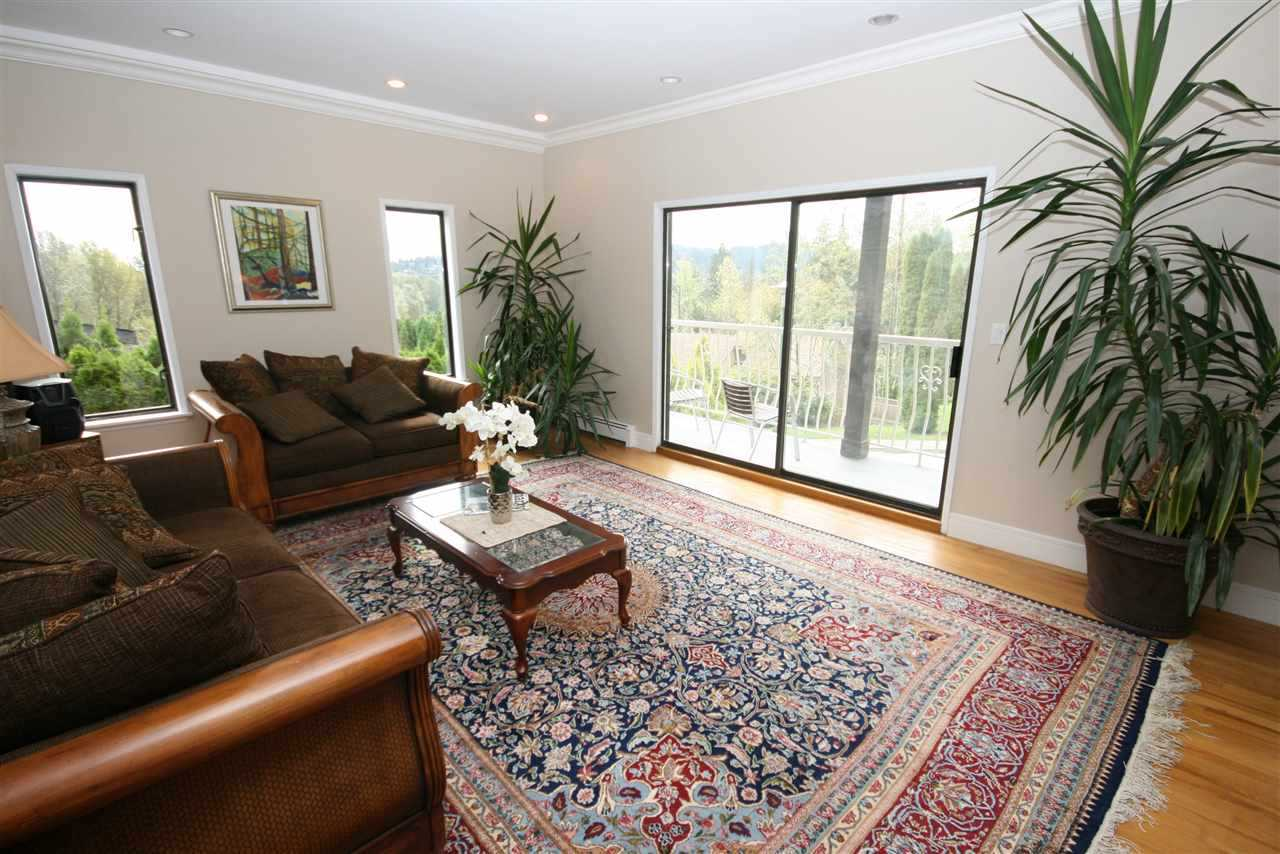 Detached at 1277 CHARTER HILL DRIVE, Coquitlam, British Columbia. Image 7