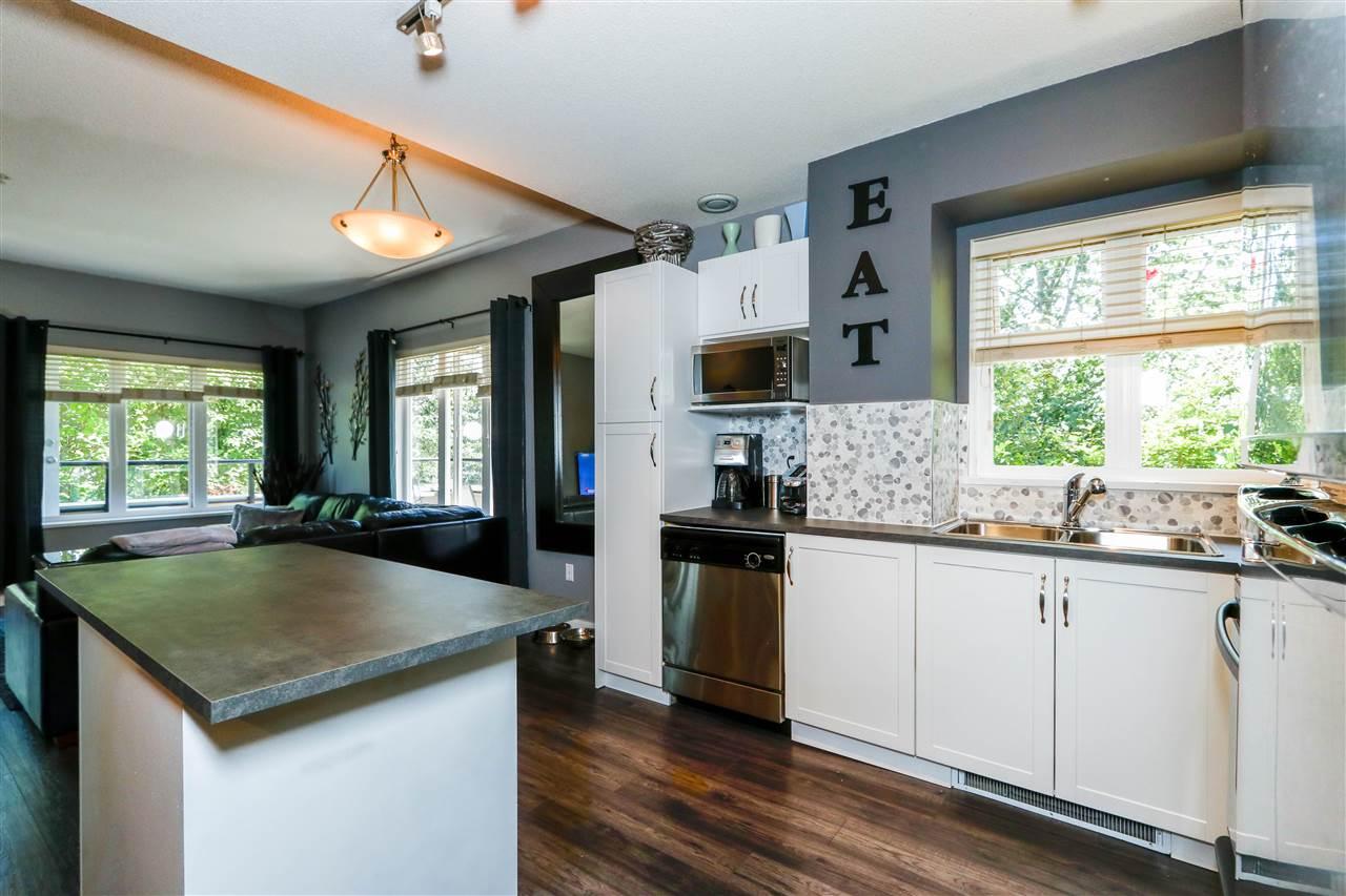 Condo Apartment at 112 160 SHORELINE CIRCLE, Unit 112, Port Moody, British Columbia. Image 6