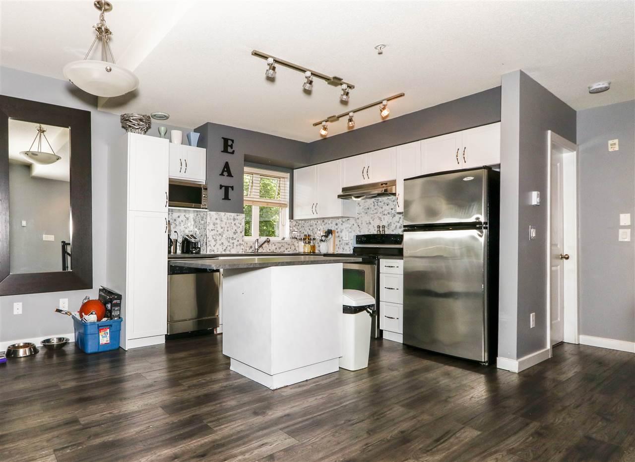 Condo Apartment at 112 160 SHORELINE CIRCLE, Unit 112, Port Moody, British Columbia. Image 8