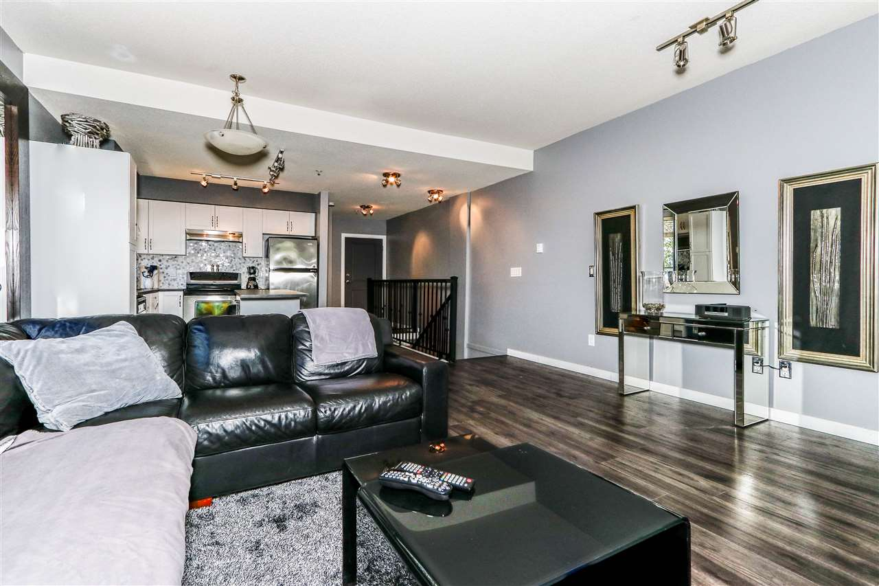 Condo Apartment at 112 160 SHORELINE CIRCLE, Unit 112, Port Moody, British Columbia. Image 9