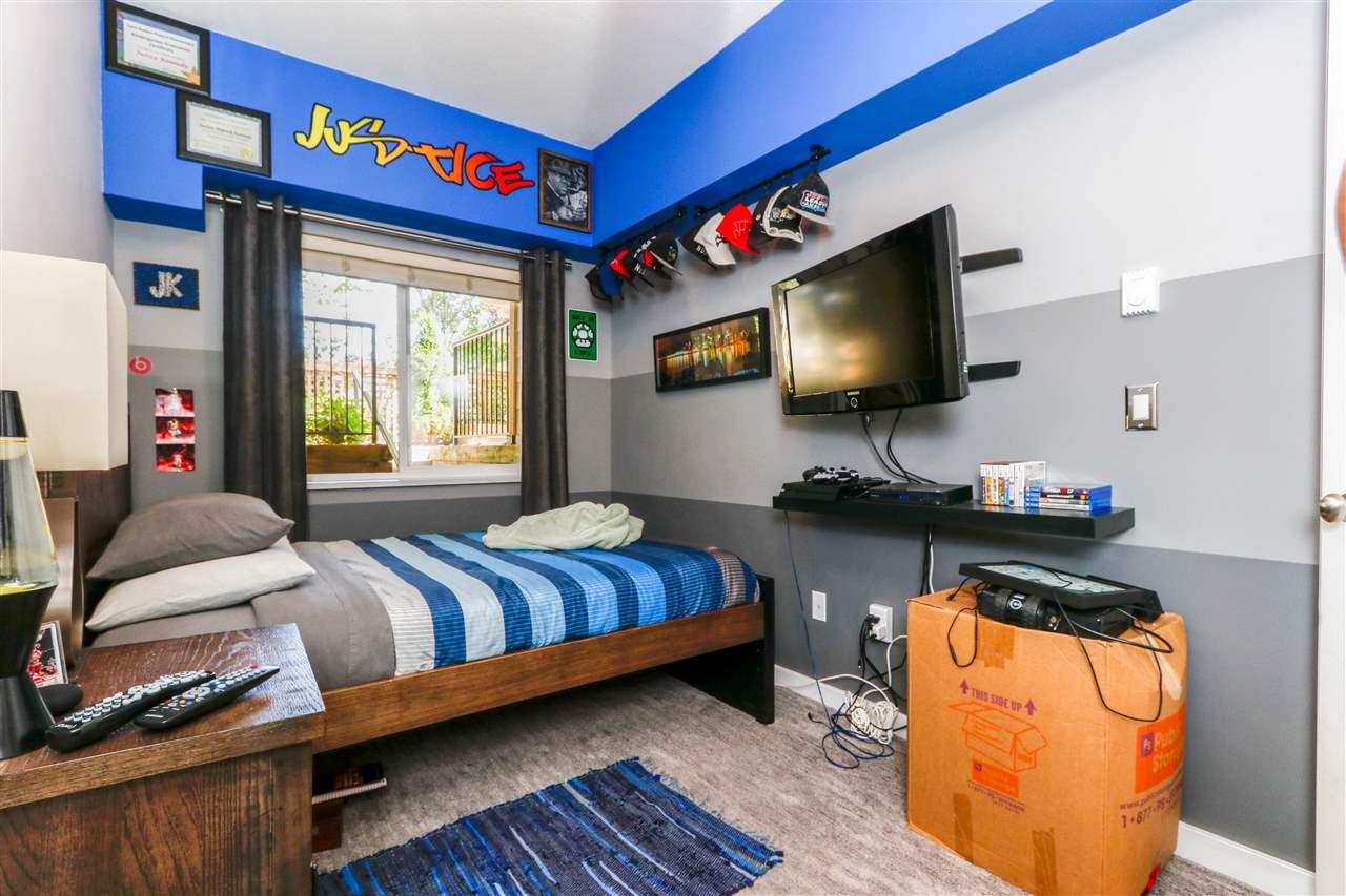 Condo Apartment at 112 160 SHORELINE CIRCLE, Unit 112, Port Moody, British Columbia. Image 15