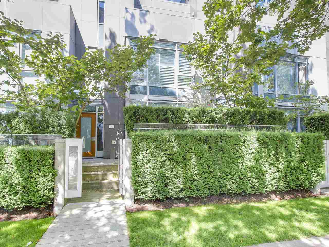 Townhouse at 1253 W CORDOVA STREET, Vancouver West, British Columbia. Image 2