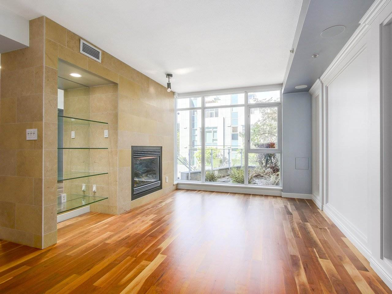 Townhouse at 1253 W CORDOVA STREET, Vancouver West, British Columbia. Image 3