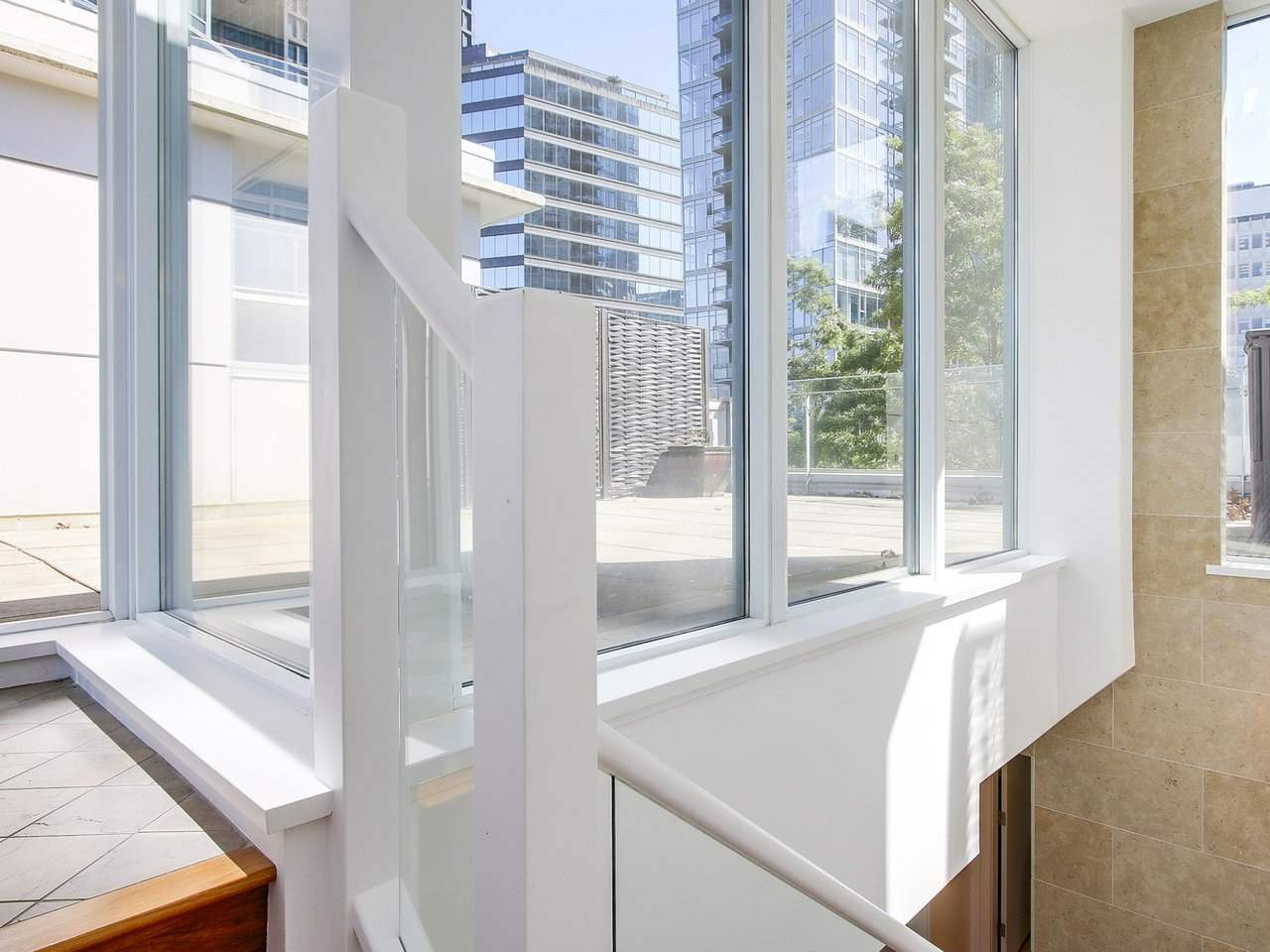 Townhouse at 1253 W CORDOVA STREET, Vancouver West, British Columbia. Image 19