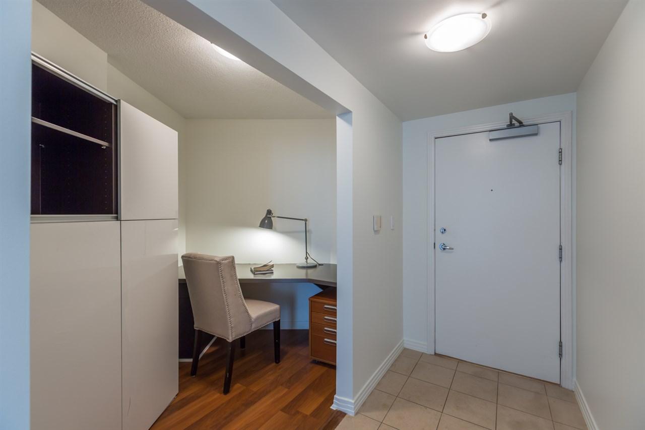 Condo Apartment at 1009 189 DAVIE STREET, Unit 1009, Vancouver West, British Columbia. Image 4