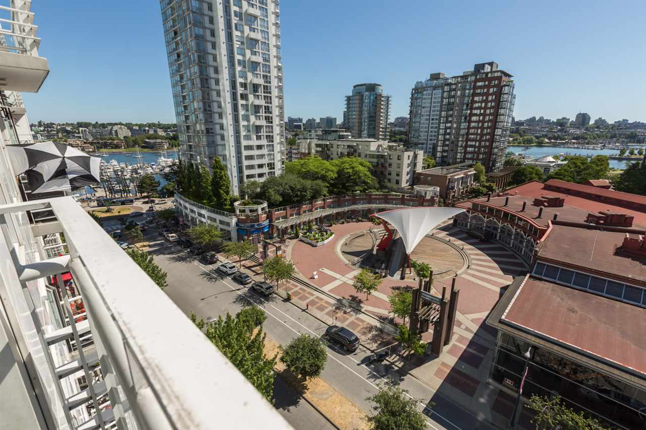Condo Apartment at 1009 189 DAVIE STREET, Unit 1009, Vancouver West, British Columbia. Image 7