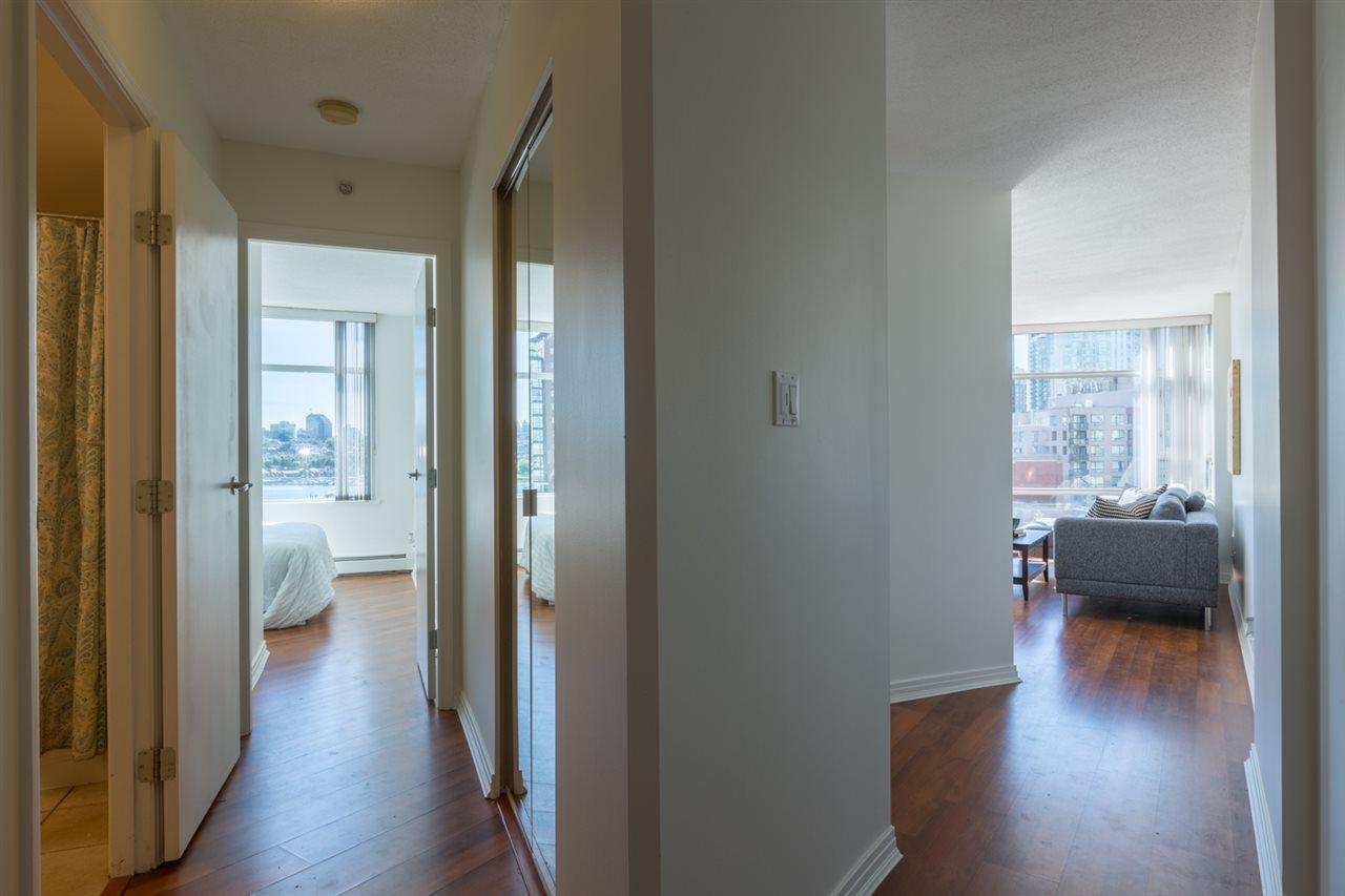 Condo Apartment at 1009 189 DAVIE STREET, Unit 1009, Vancouver West, British Columbia. Image 14