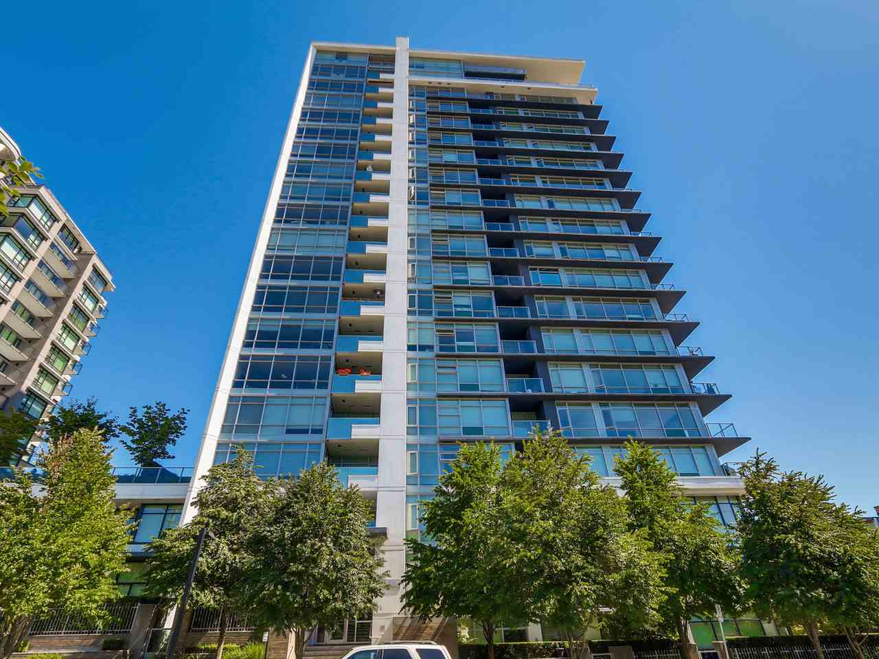 Condo Apartment at 1201 1320 CHESTERFIELD AVENUE, Unit 1201, North Vancouver, British Columbia. Image 4