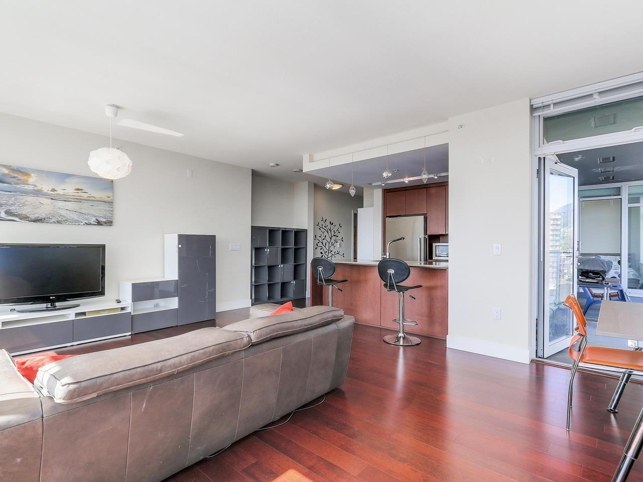 Condo Apartment at 1201 1320 CHESTERFIELD AVENUE, Unit 1201, North Vancouver, British Columbia. Image 9