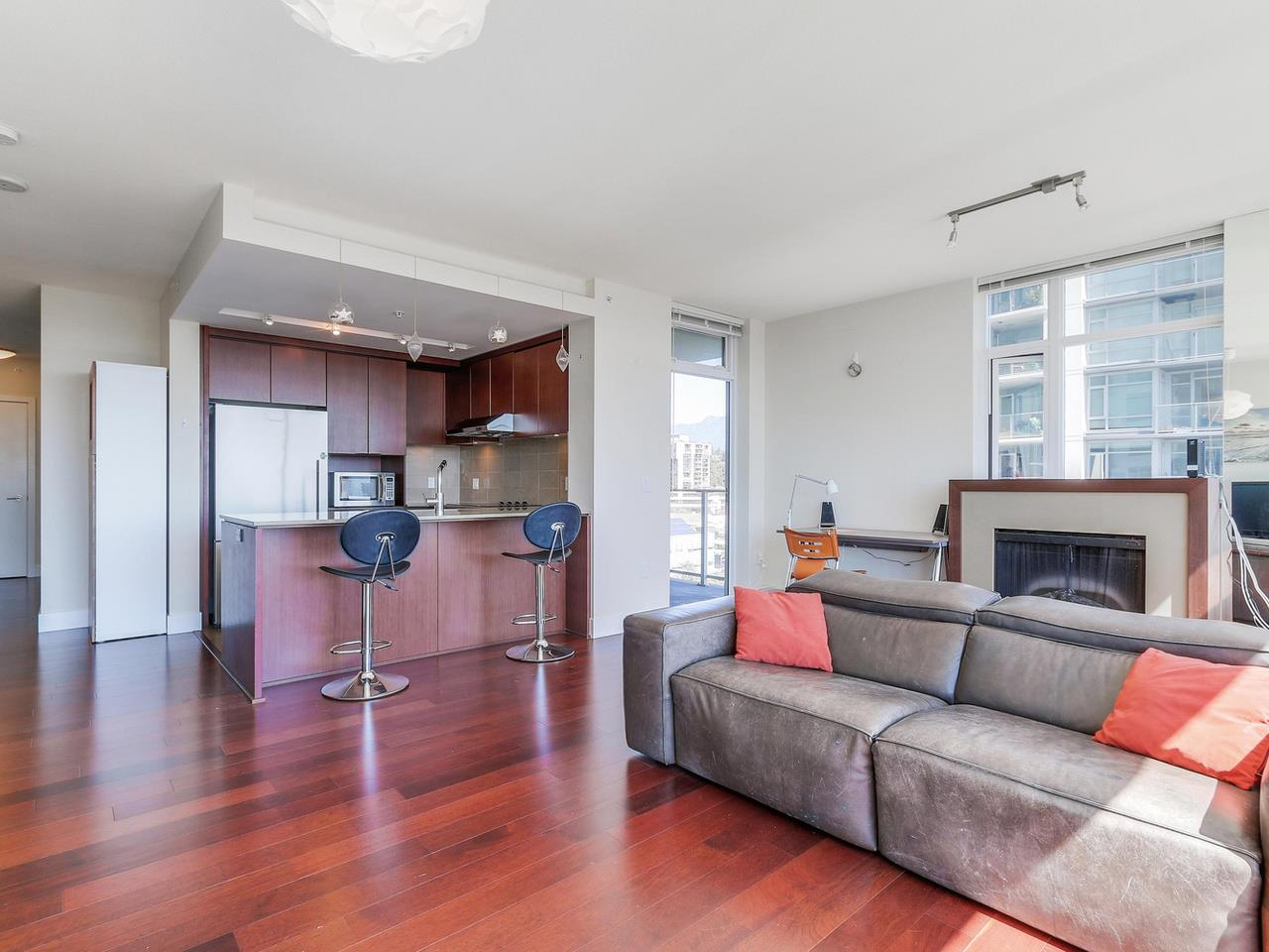 Condo Apartment at 1201 1320 CHESTERFIELD AVENUE, Unit 1201, North Vancouver, British Columbia. Image 10