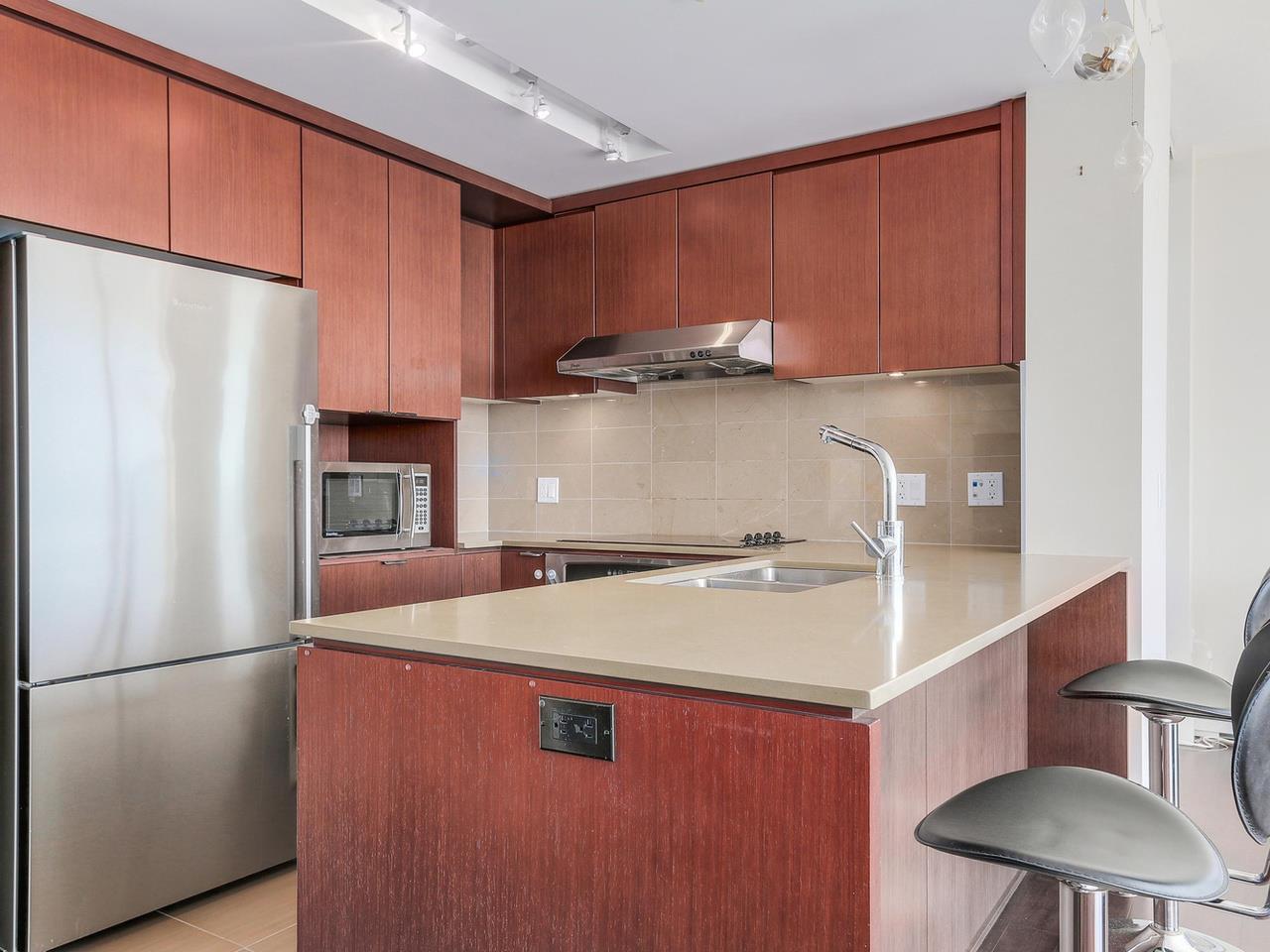 Condo Apartment at 1201 1320 CHESTERFIELD AVENUE, Unit 1201, North Vancouver, British Columbia. Image 11