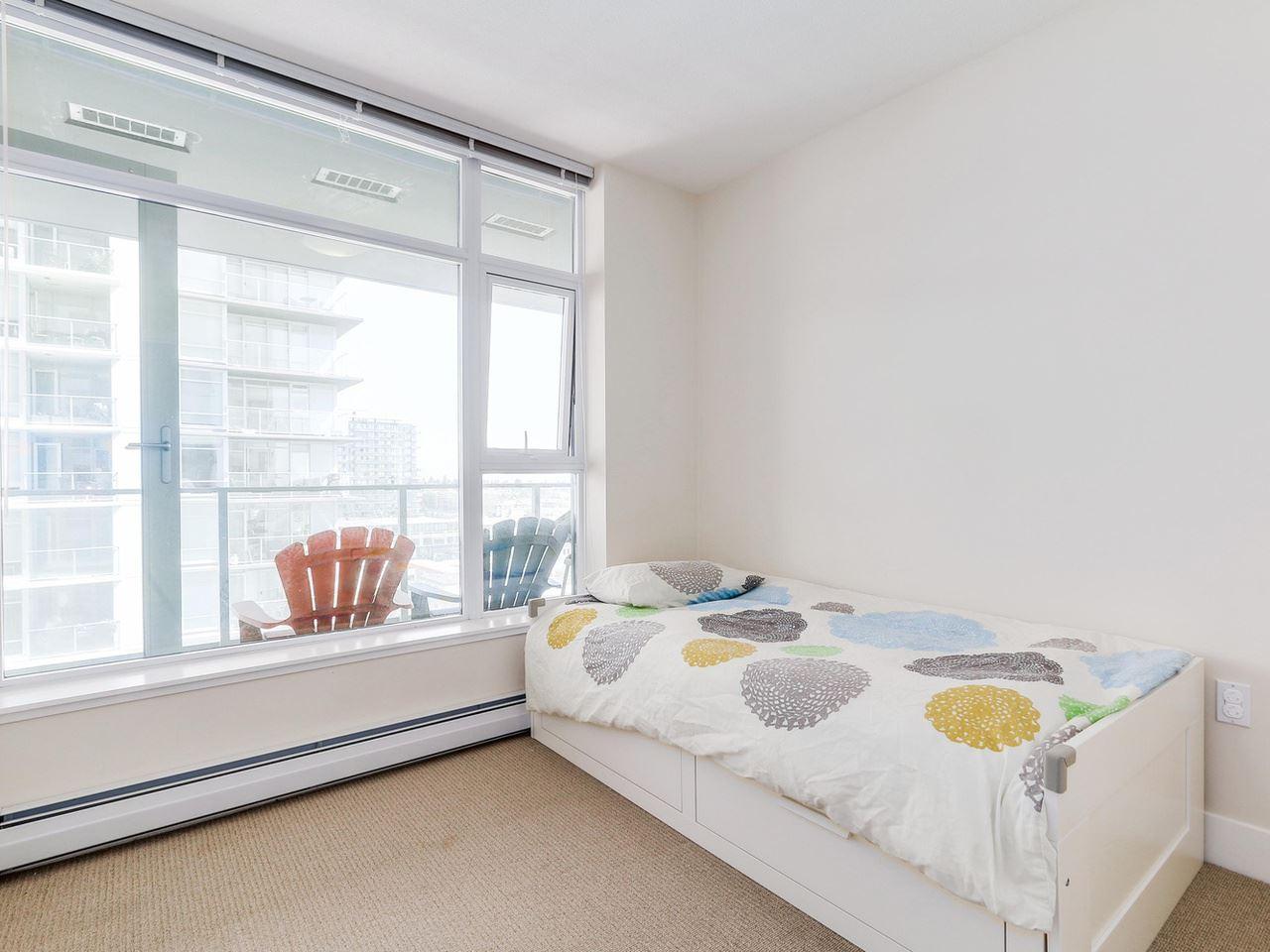 Condo Apartment at 1201 1320 CHESTERFIELD AVENUE, Unit 1201, North Vancouver, British Columbia. Image 14