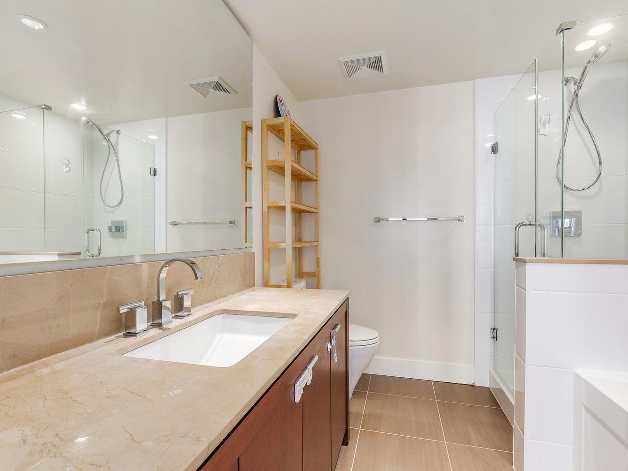Condo Apartment at 1201 1320 CHESTERFIELD AVENUE, Unit 1201, North Vancouver, British Columbia. Image 16
