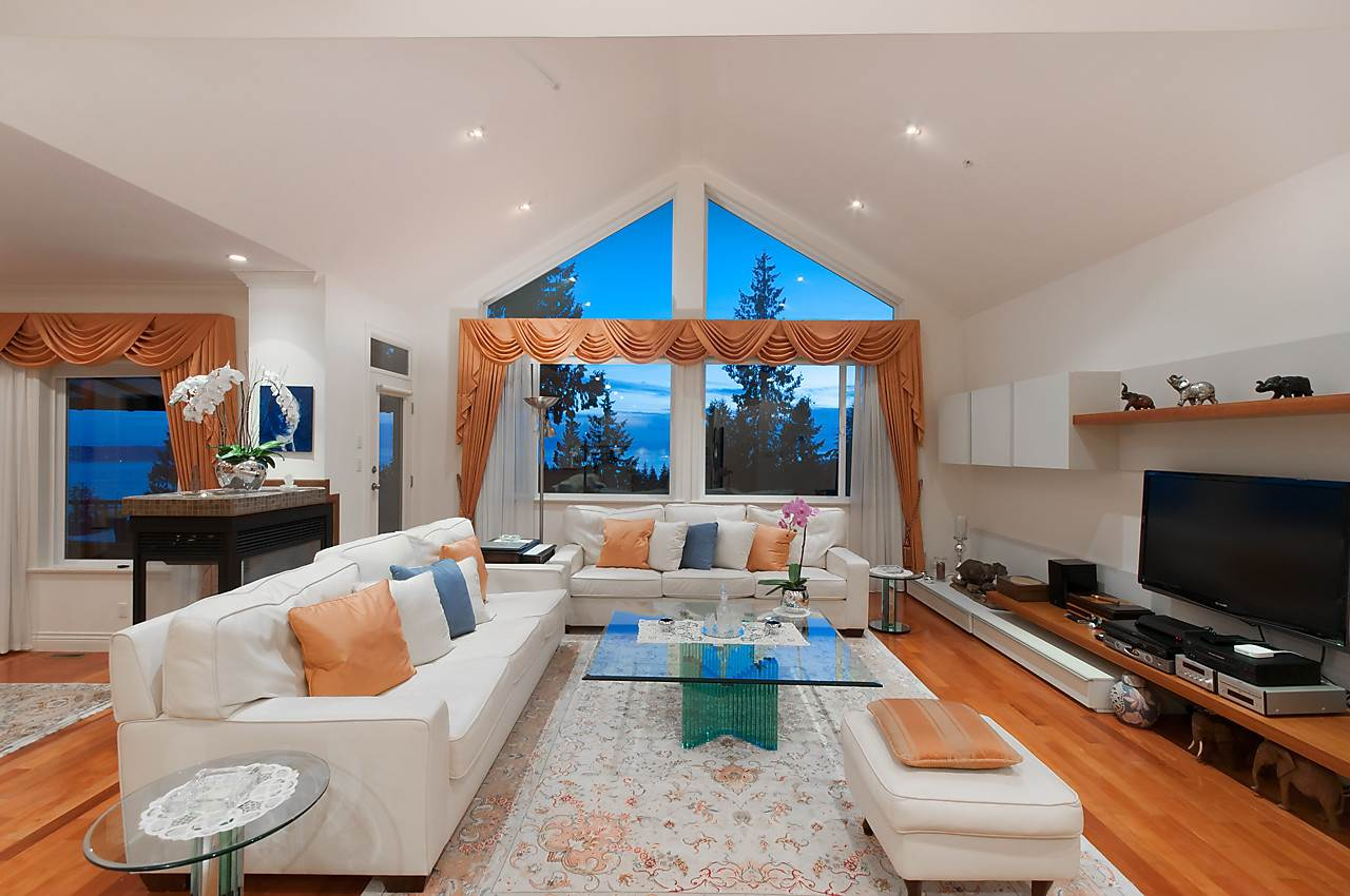 Detached at 2781 CHELSEA CLOSE, West Vancouver, British Columbia. Image 5