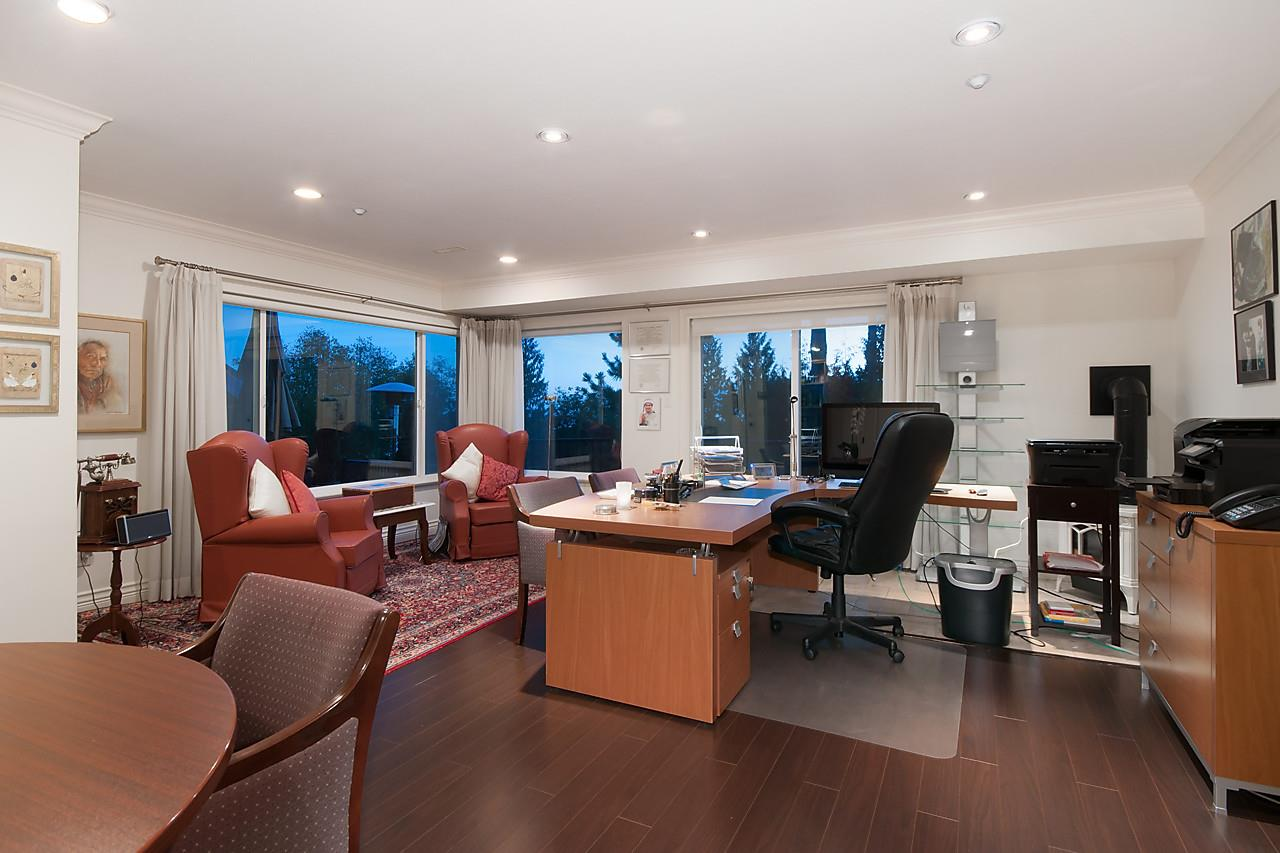 Detached at 2781 CHELSEA CLOSE, West Vancouver, British Columbia. Image 9
