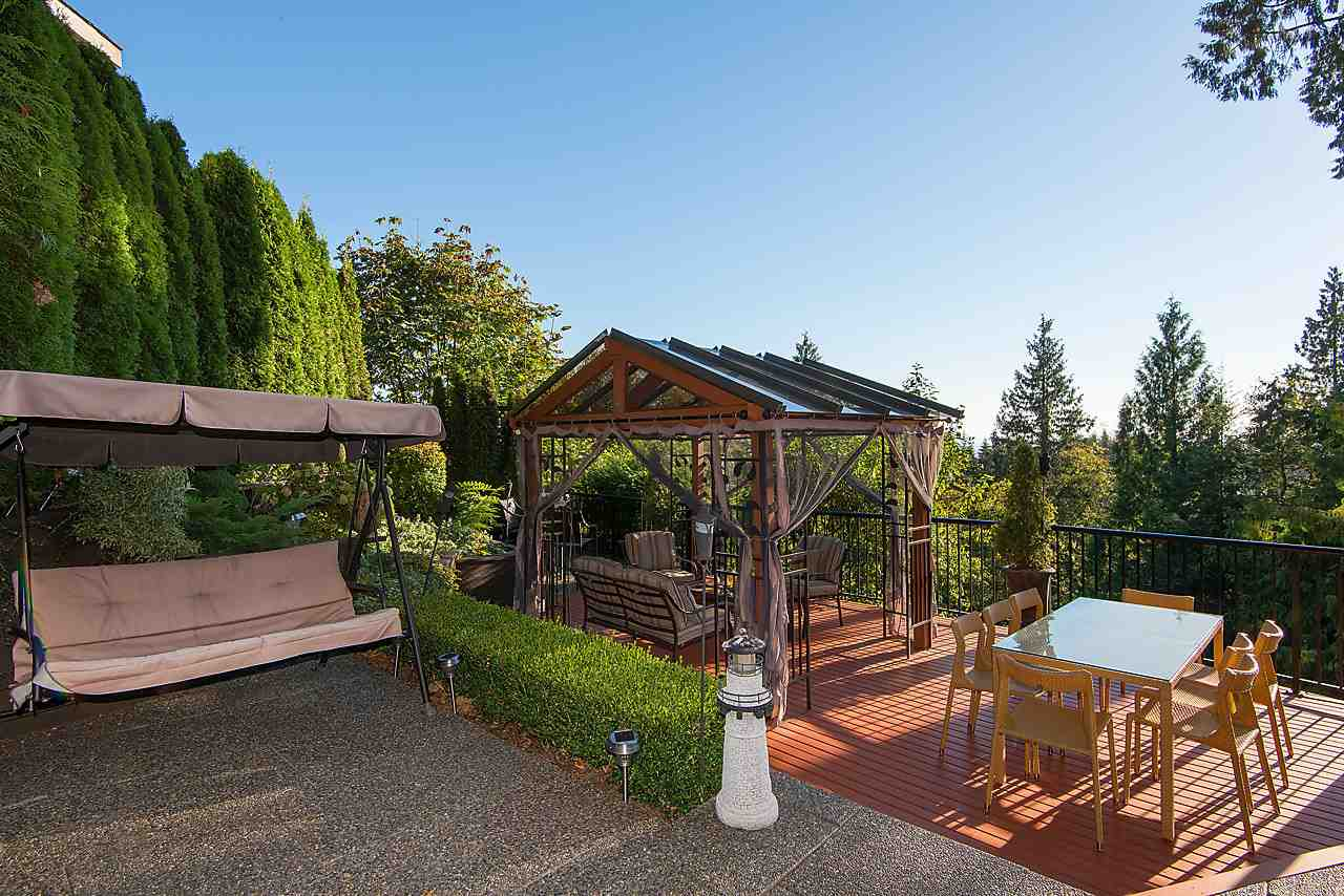 Detached at 2781 CHELSEA CLOSE, West Vancouver, British Columbia. Image 16