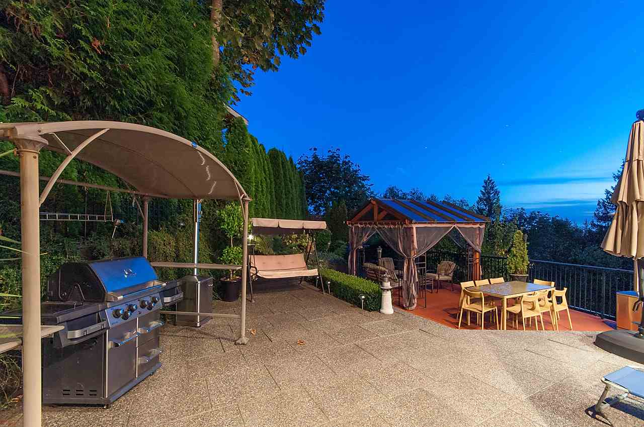 Detached at 2781 CHELSEA CLOSE, West Vancouver, British Columbia. Image 17