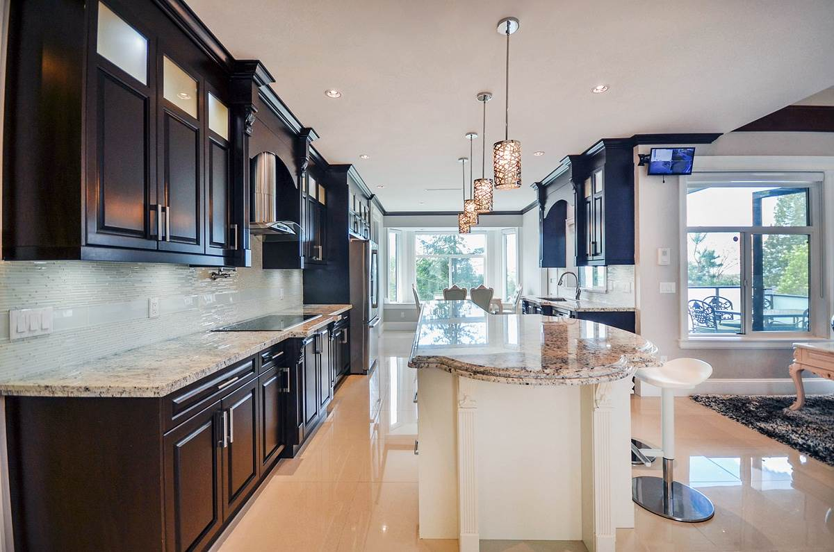 Detached at 6096 KEITH STREET, Burnaby South, British Columbia. Image 6