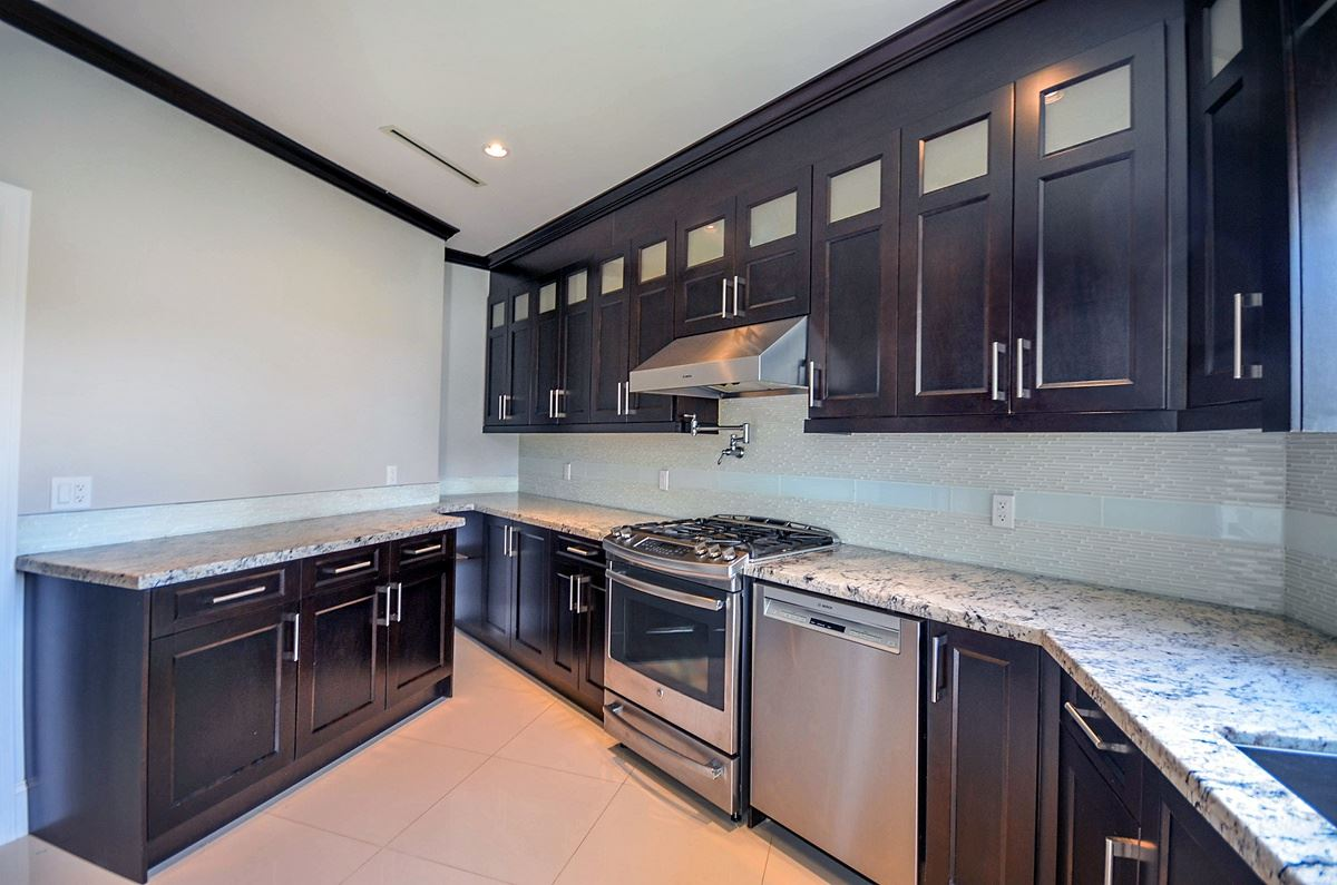 Detached at 6096 KEITH STREET, Burnaby South, British Columbia. Image 9