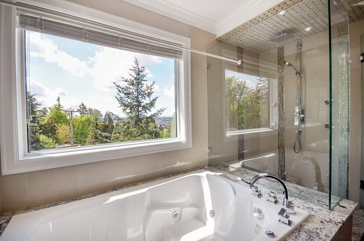 Detached at 6096 KEITH STREET, Burnaby South, British Columbia. Image 13