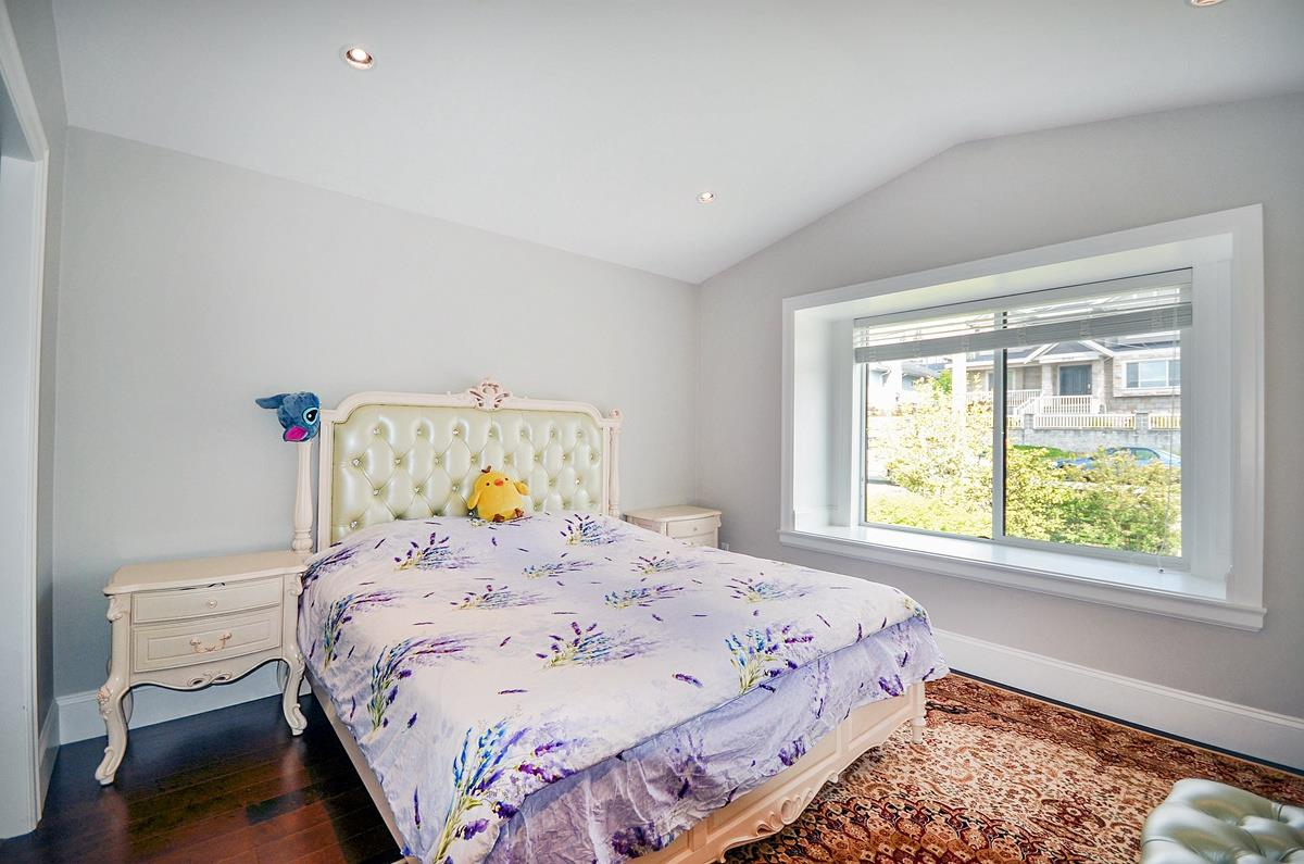 Detached at 6096 KEITH STREET, Burnaby South, British Columbia. Image 14
