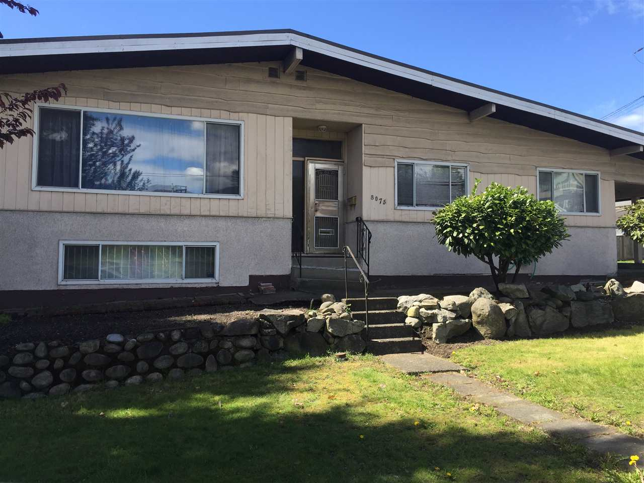 Detached at 8075 BORDEN STREET, Vancouver East, British Columbia. Image 1