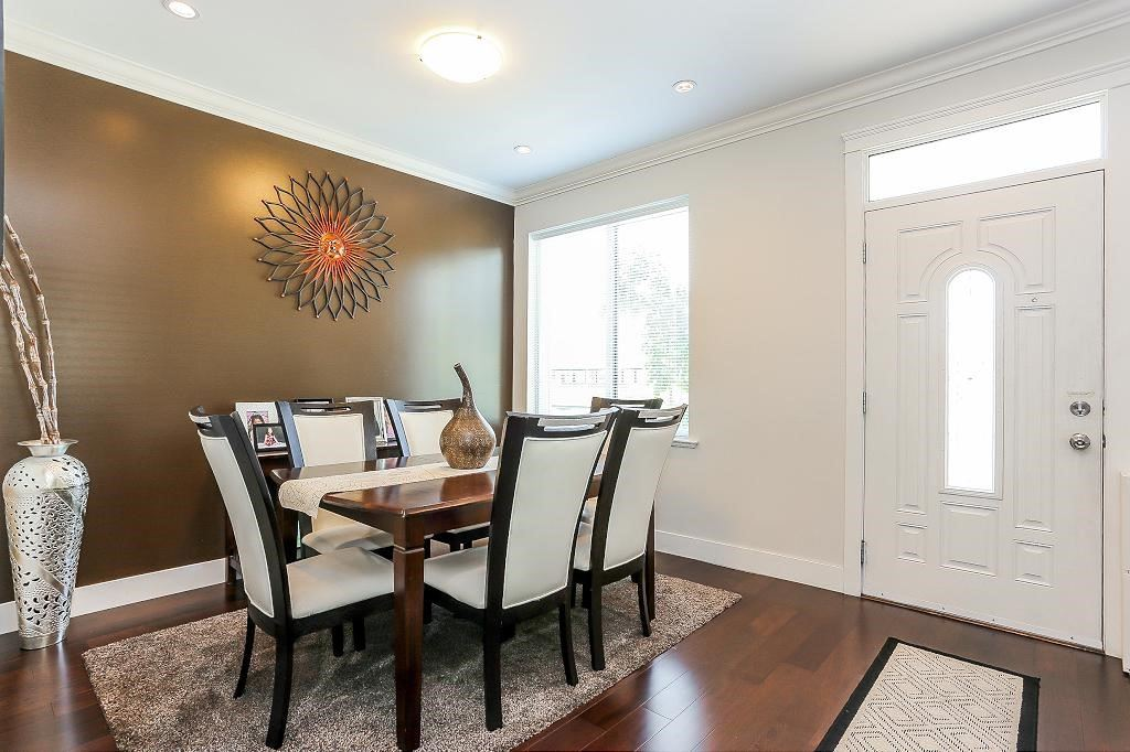 Detached at 1426 BEWICKE AVENUE, North Vancouver, British Columbia. Image 3