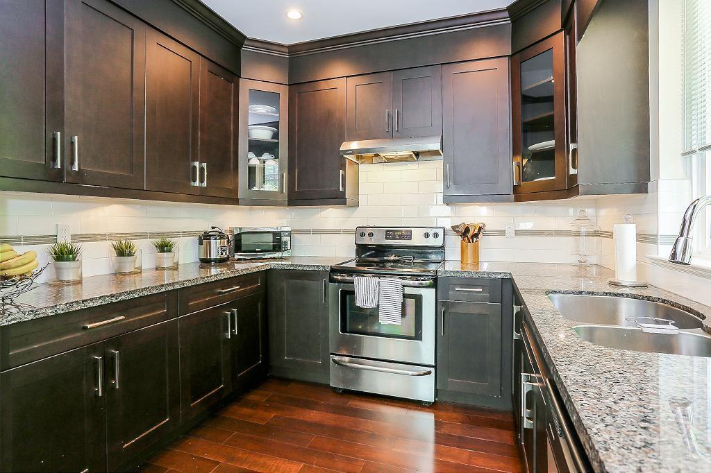 Detached at 1426 BEWICKE AVENUE, North Vancouver, British Columbia. Image 7