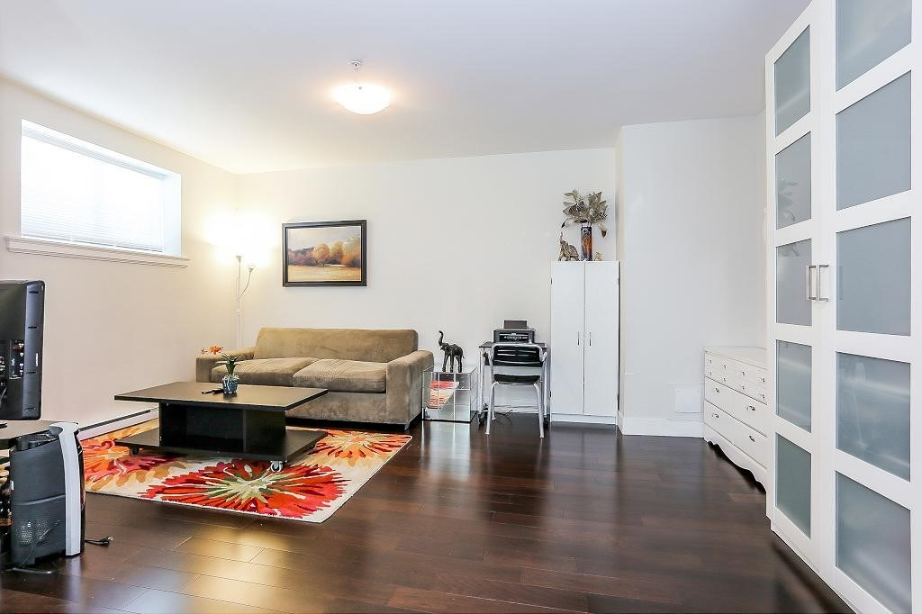 Detached at 1426 BEWICKE AVENUE, North Vancouver, British Columbia. Image 11