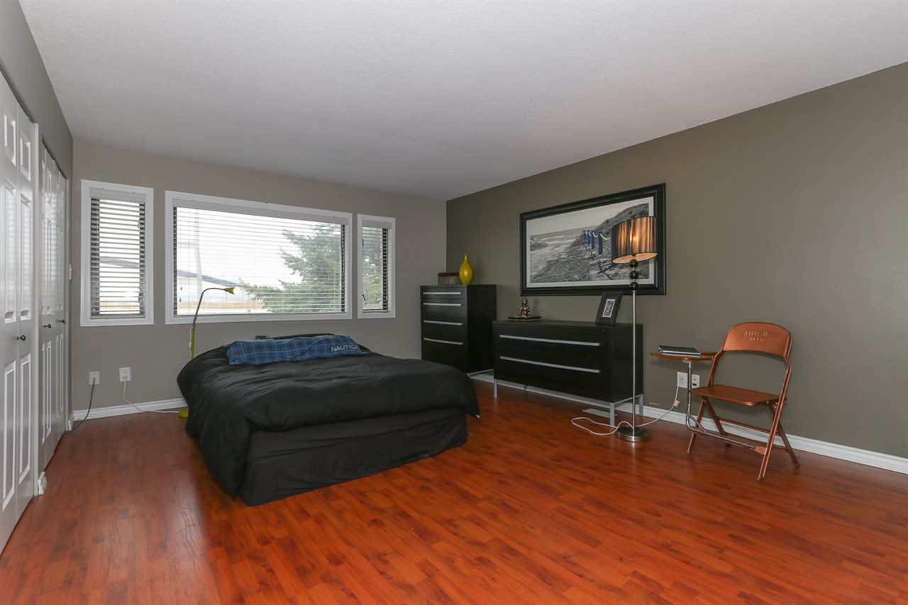 Detached at 10295 MAIN STREET, N. Delta, British Columbia. Image 10