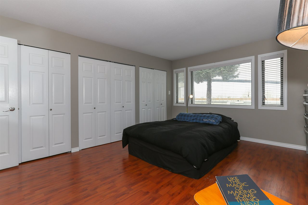 Detached at 10295 MAIN STREET, N. Delta, British Columbia. Image 11