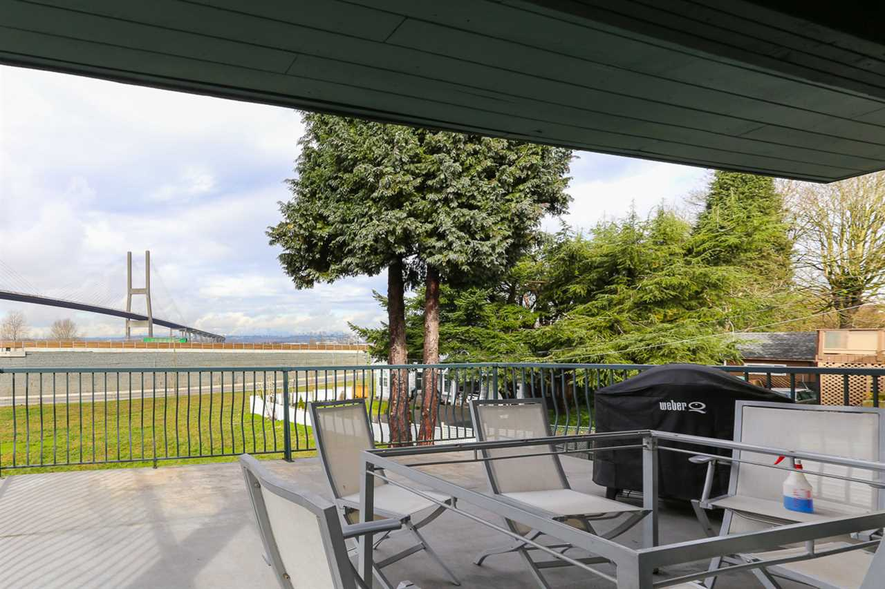 Detached at 10295 MAIN STREET, N. Delta, British Columbia. Image 15