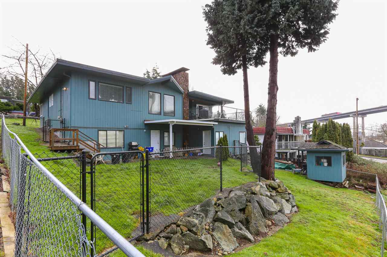 Detached at 10295 MAIN STREET, N. Delta, British Columbia. Image 19