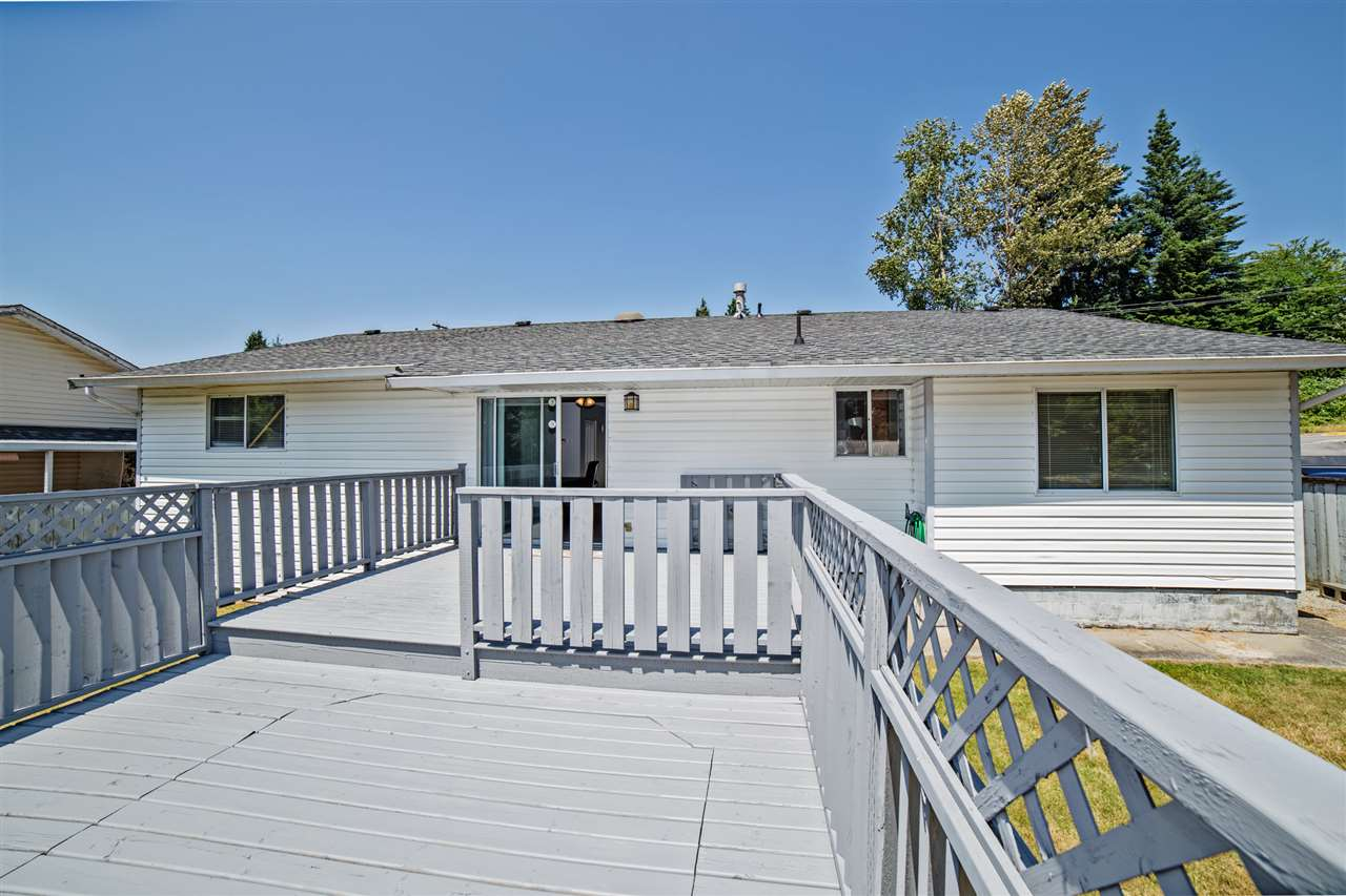 Detached at 32496 14TH AVENUE, Mission, British Columbia. Image 4