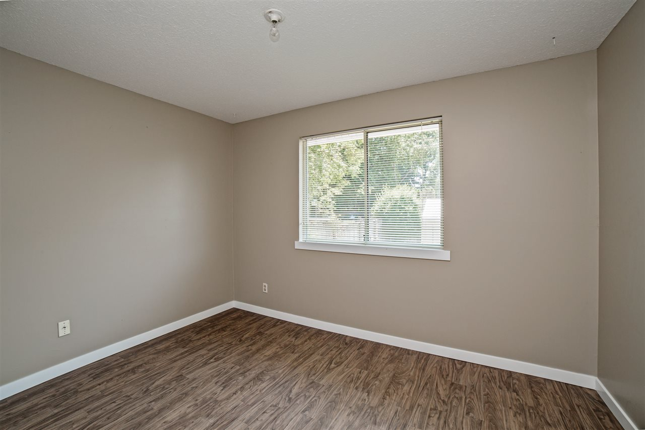 Detached at 32496 14TH AVENUE, Mission, British Columbia. Image 7