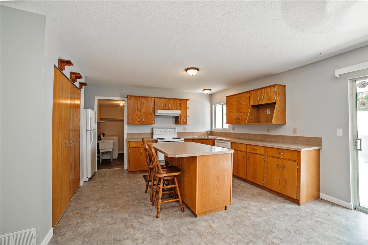 Detached at 32496 14TH AVENUE, Mission, British Columbia. Image 12