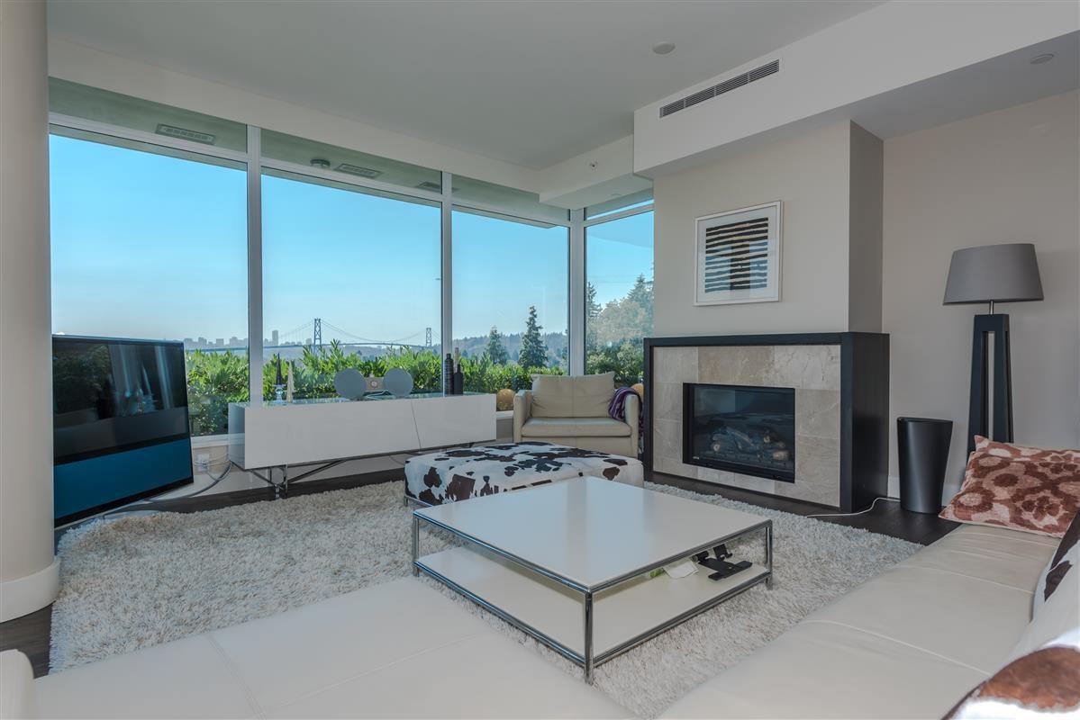 Condo Apartment at 502 918 KEITH ROAD, Unit 502, West Vancouver, British Columbia. Image 3