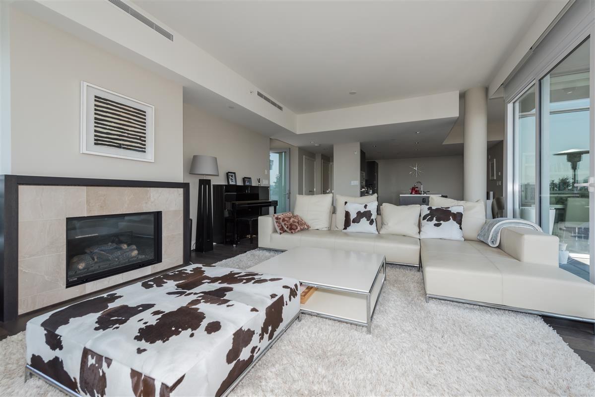 Condo Apartment at 502 918 KEITH ROAD, Unit 502, West Vancouver, British Columbia. Image 4