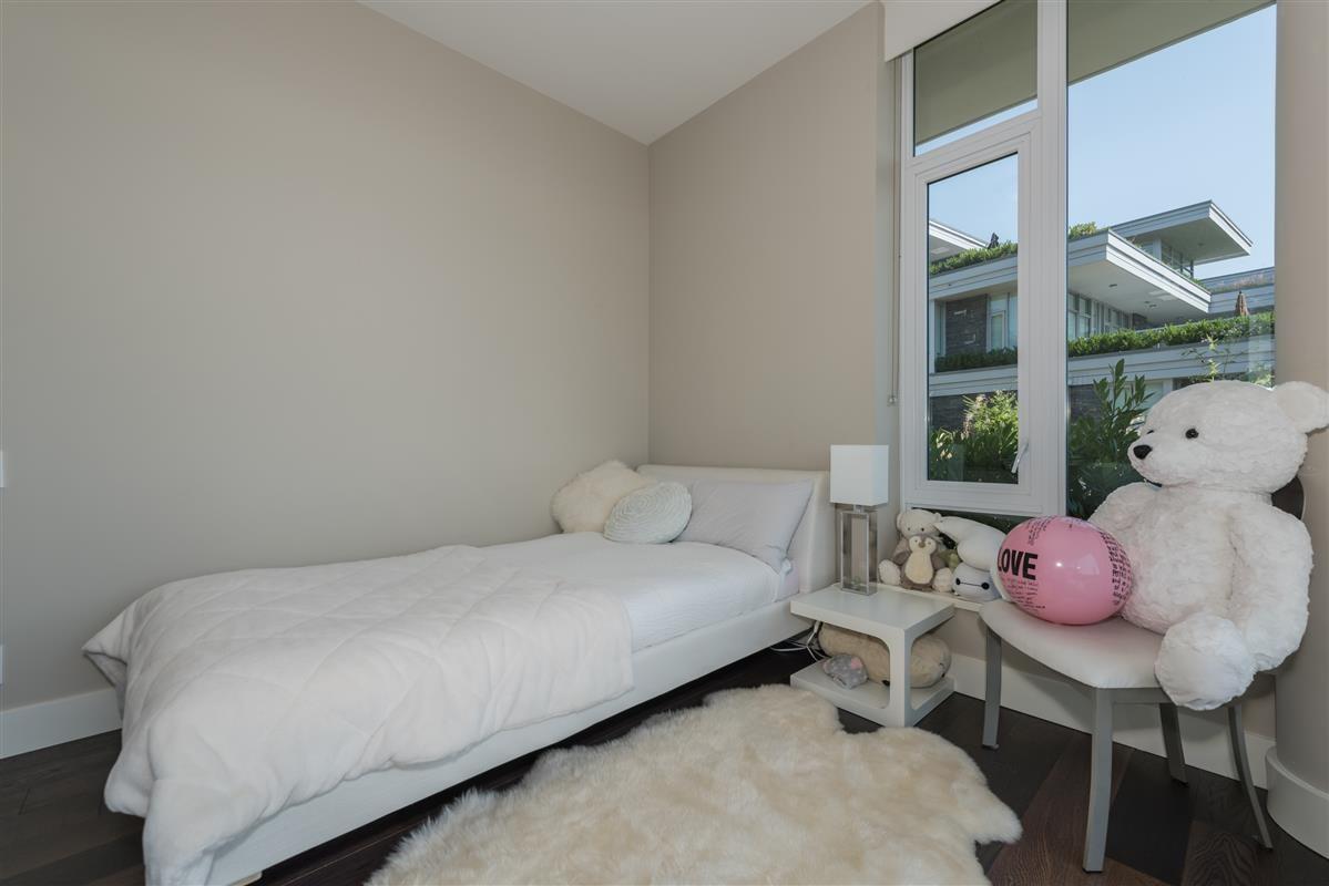 Condo Apartment at 502 918 KEITH ROAD, Unit 502, West Vancouver, British Columbia. Image 8