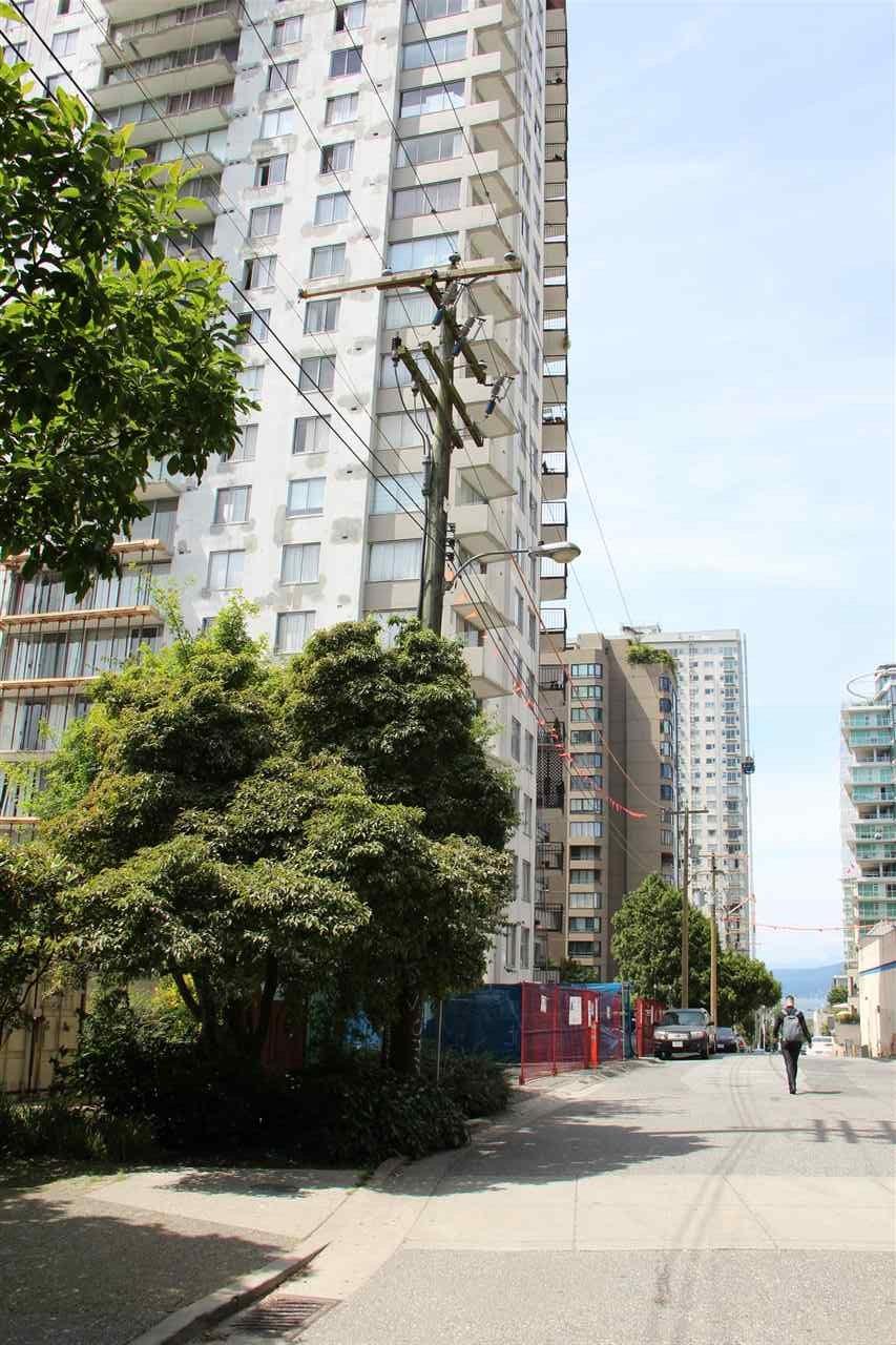 Condo Apartment at 904 1251 CARDERO STREET, Unit 904, Vancouver West, British Columbia. Image 3