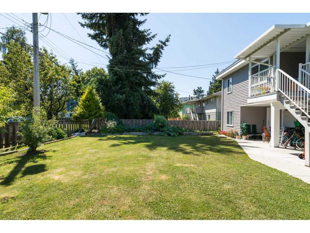 Detached at 8220 SPIRES ROAD, Richmond, British Columbia. Image 19