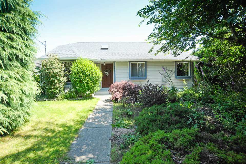 Detached at 1980 140 STREET, South Surrey White Rock, British Columbia. Image 1