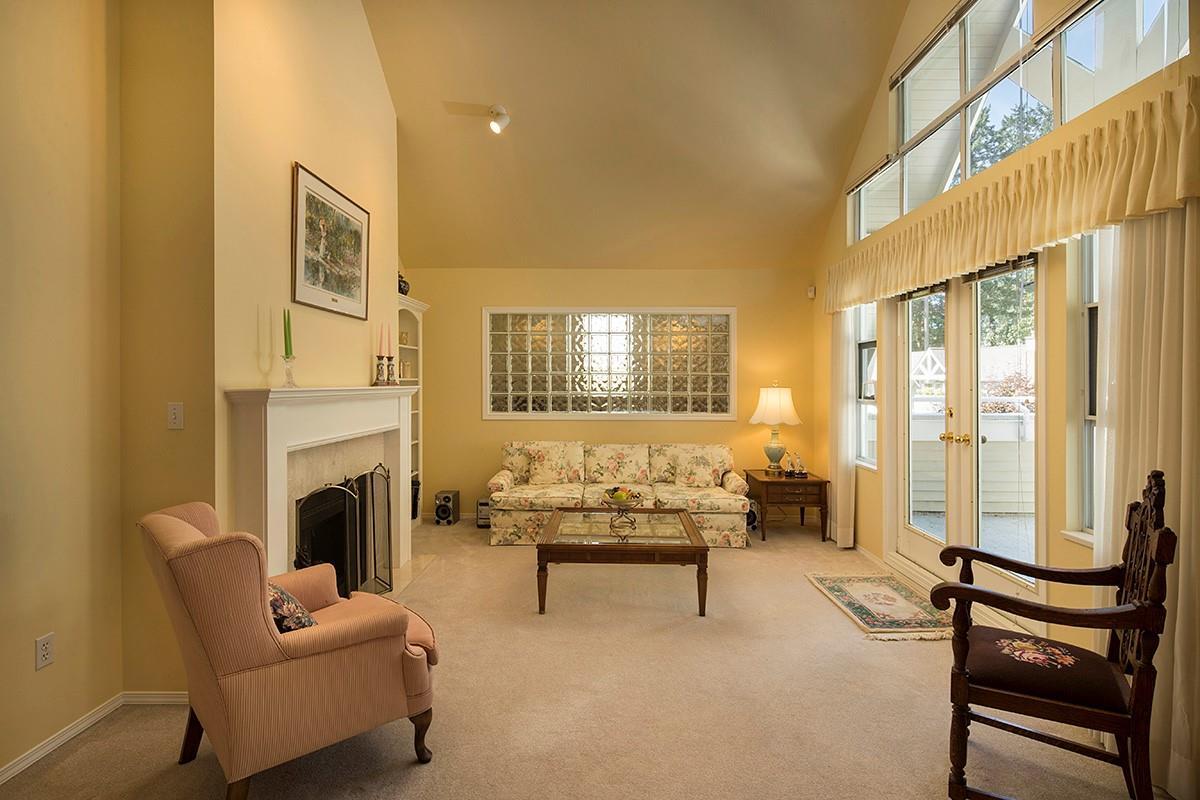 Condo Apartment at 301 3399 CAPILANO CRESCENT, Unit 301, North Vancouver, British Columbia. Image 3