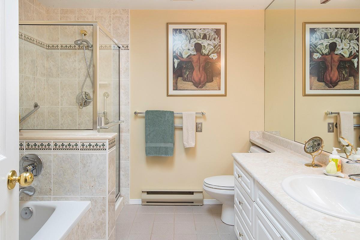Condo Apartment at 301 3399 CAPILANO CRESCENT, Unit 301, North Vancouver, British Columbia. Image 14