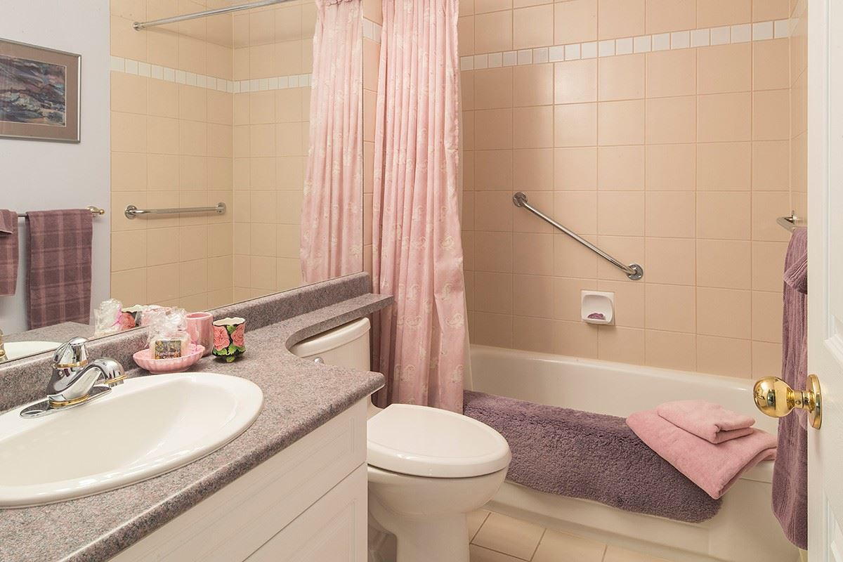 Condo Apartment at 301 3399 CAPILANO CRESCENT, Unit 301, North Vancouver, British Columbia. Image 16